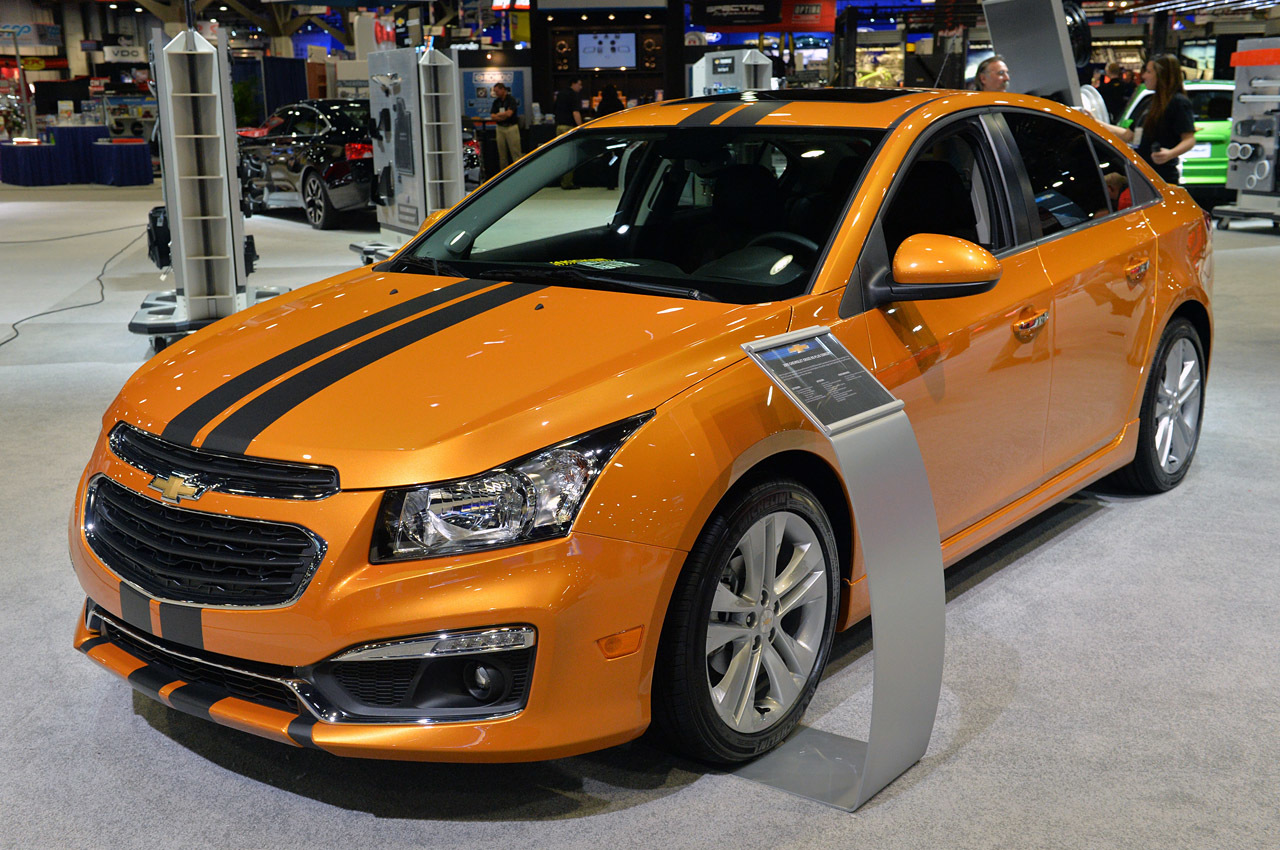 http://www.blogcdn.com/slideshows/images/slides/307/834/0/S3078340/slug/l/03-chevrolet-cruze-rs-plus-concept-1.jpg