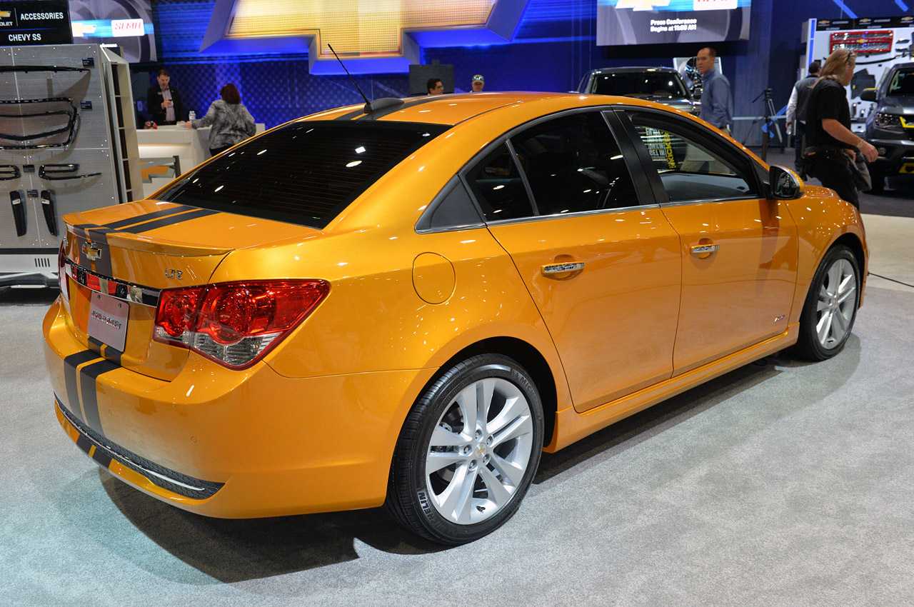 http://www.blogcdn.com/slideshows/images/slides/307/834/1/S3078341/slug/l/04-chevrolet-cruze-rs-plus-concept-1.jpg