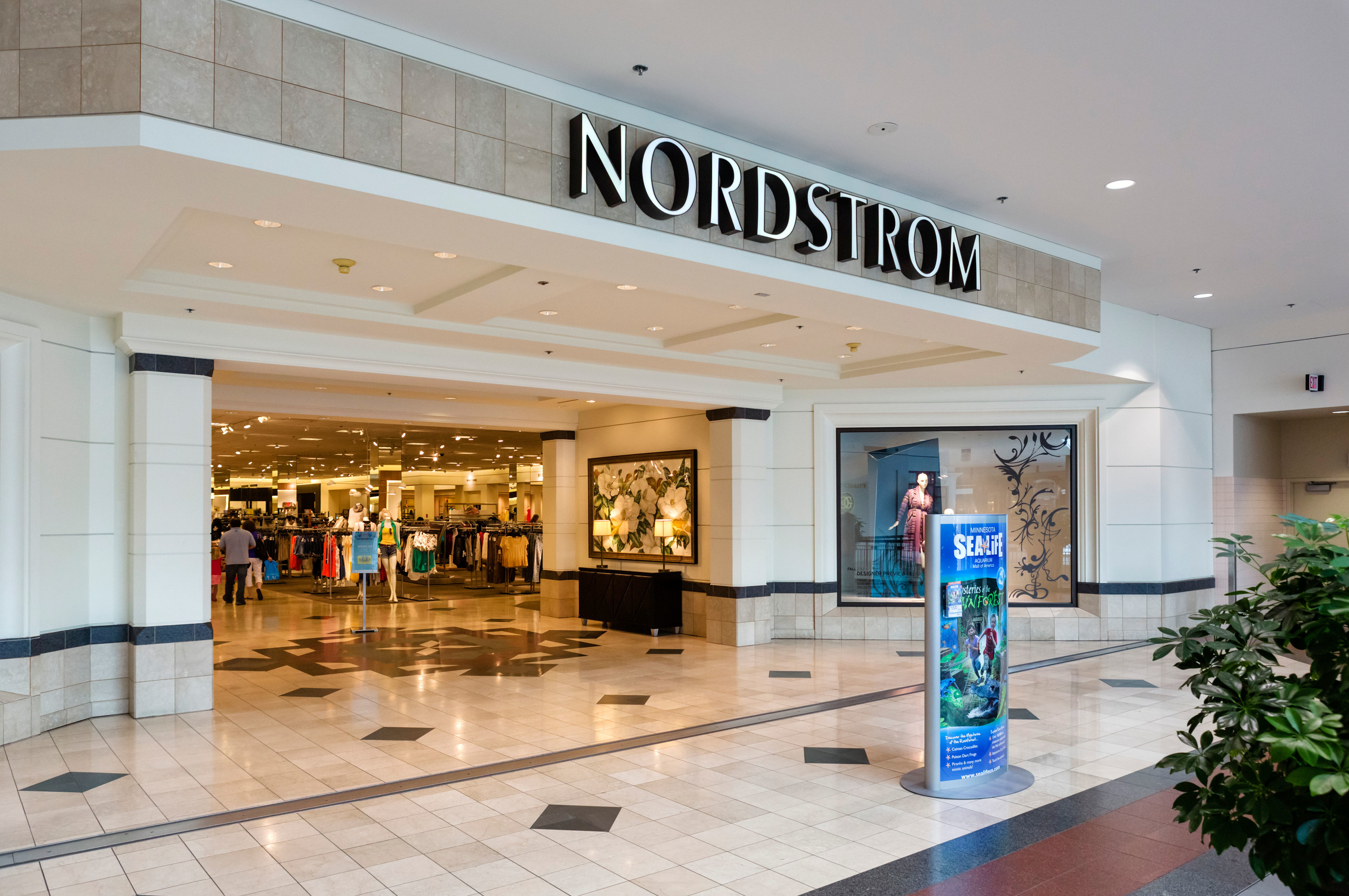 nordstrom-department-store-in-the-mall-of-america-bloomingto-1.jpg