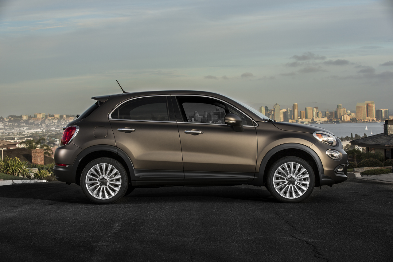 2015 fiat 500x photo gallery autoblog. Black Bedroom Furniture Sets. Home Design Ideas