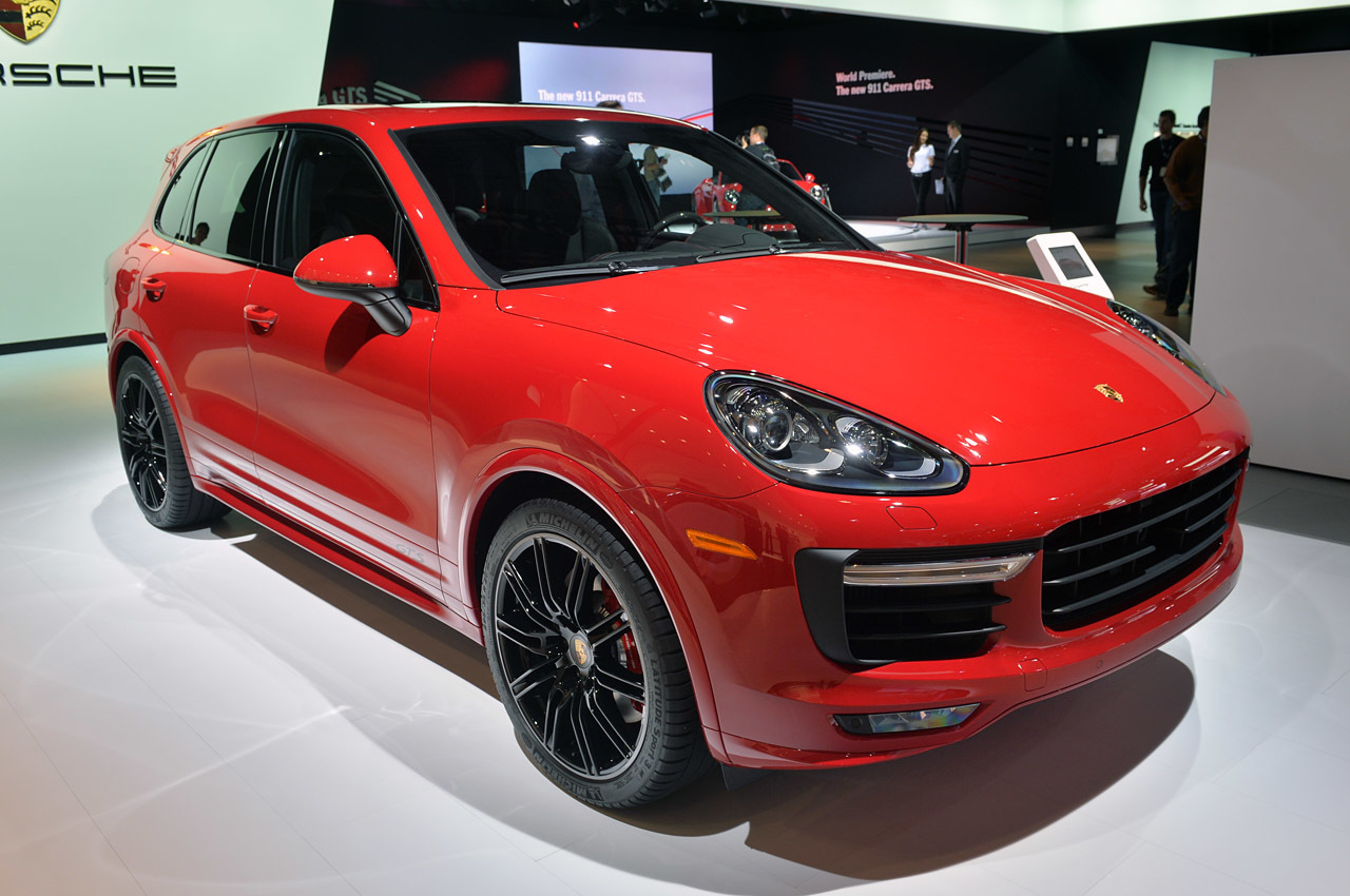 2015 porsche cayenne gts la 2014 photo gallery autoblog. Black Bedroom Furniture Sets. Home Design Ideas