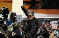 Engadget Daily: Deepak Chopra, the deal with Black Friday, and more