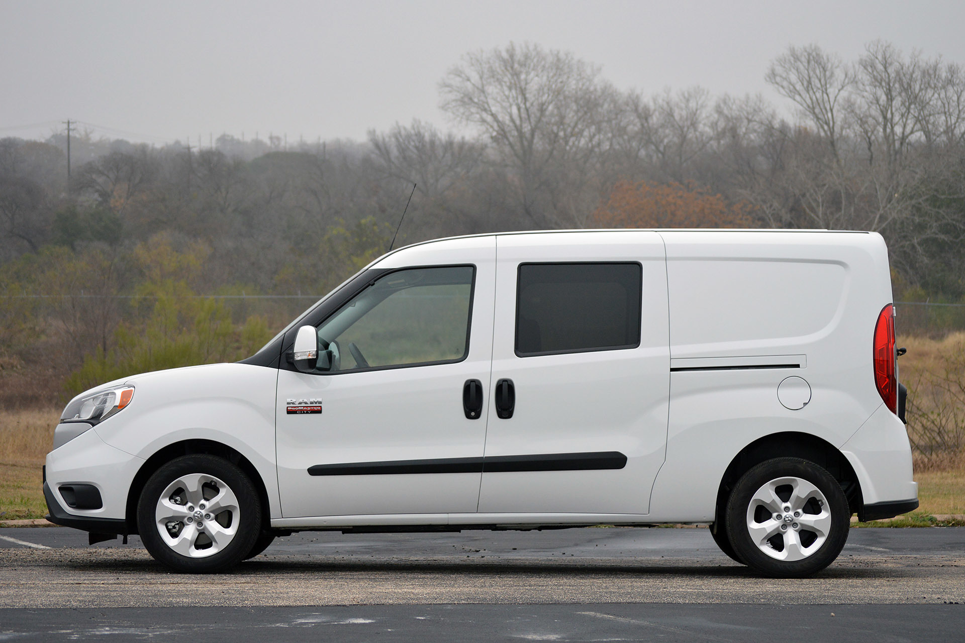 2015 ram promaster city first drive photo gallery autoblog. Black Bedroom Furniture Sets. Home Design Ideas