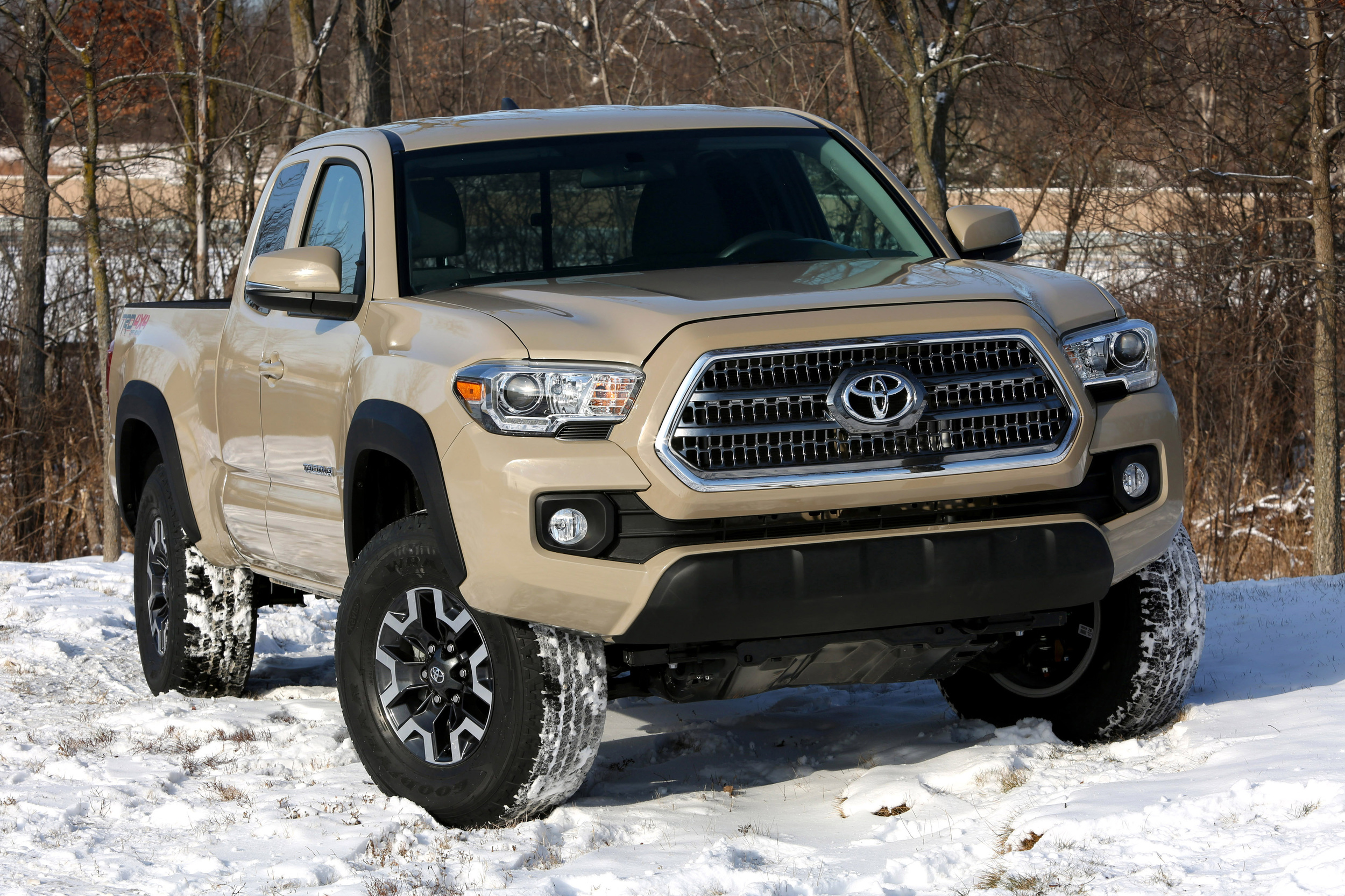 2016 toyota tacoma trd off road photo gallery autoblog. Black Bedroom Furniture Sets. Home Design Ideas