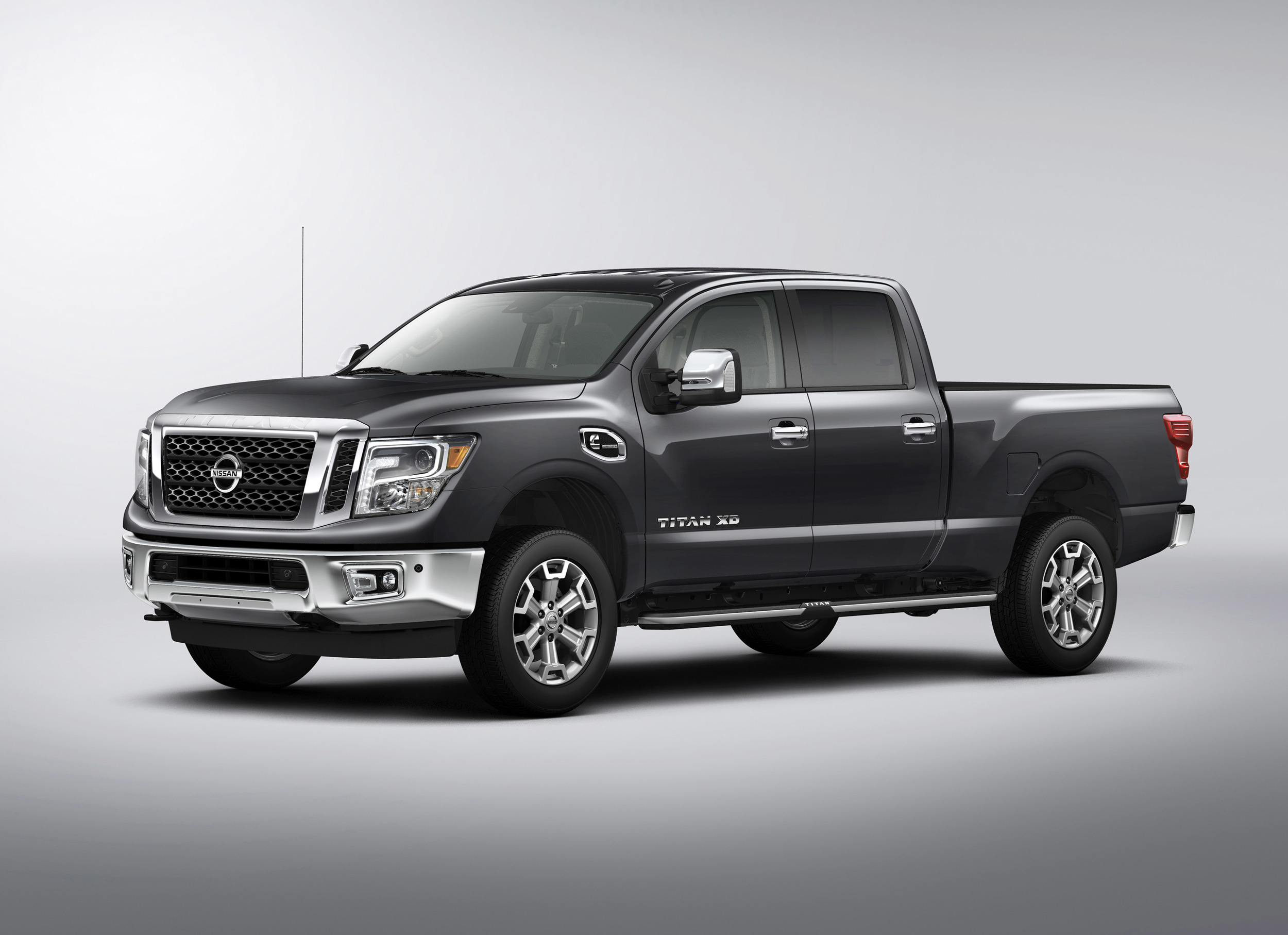 2016 nissan titan xd photo gallery autoblog. Black Bedroom Furniture Sets. Home Design Ideas