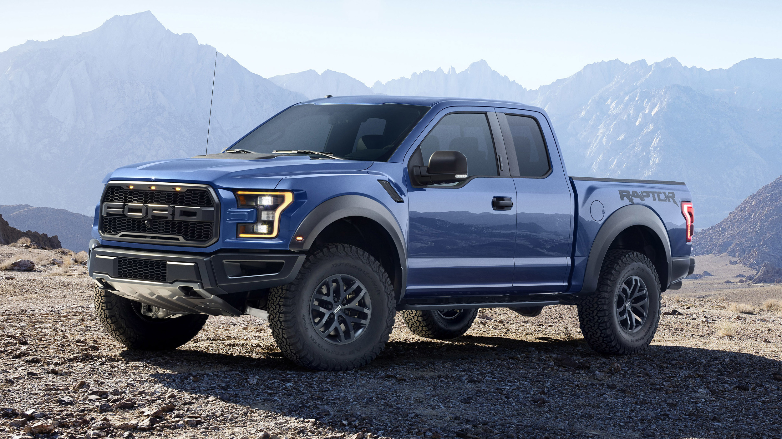 2017 ford f 150 raptor photo gallery autoblog. Black Bedroom Furniture Sets. Home Design Ideas