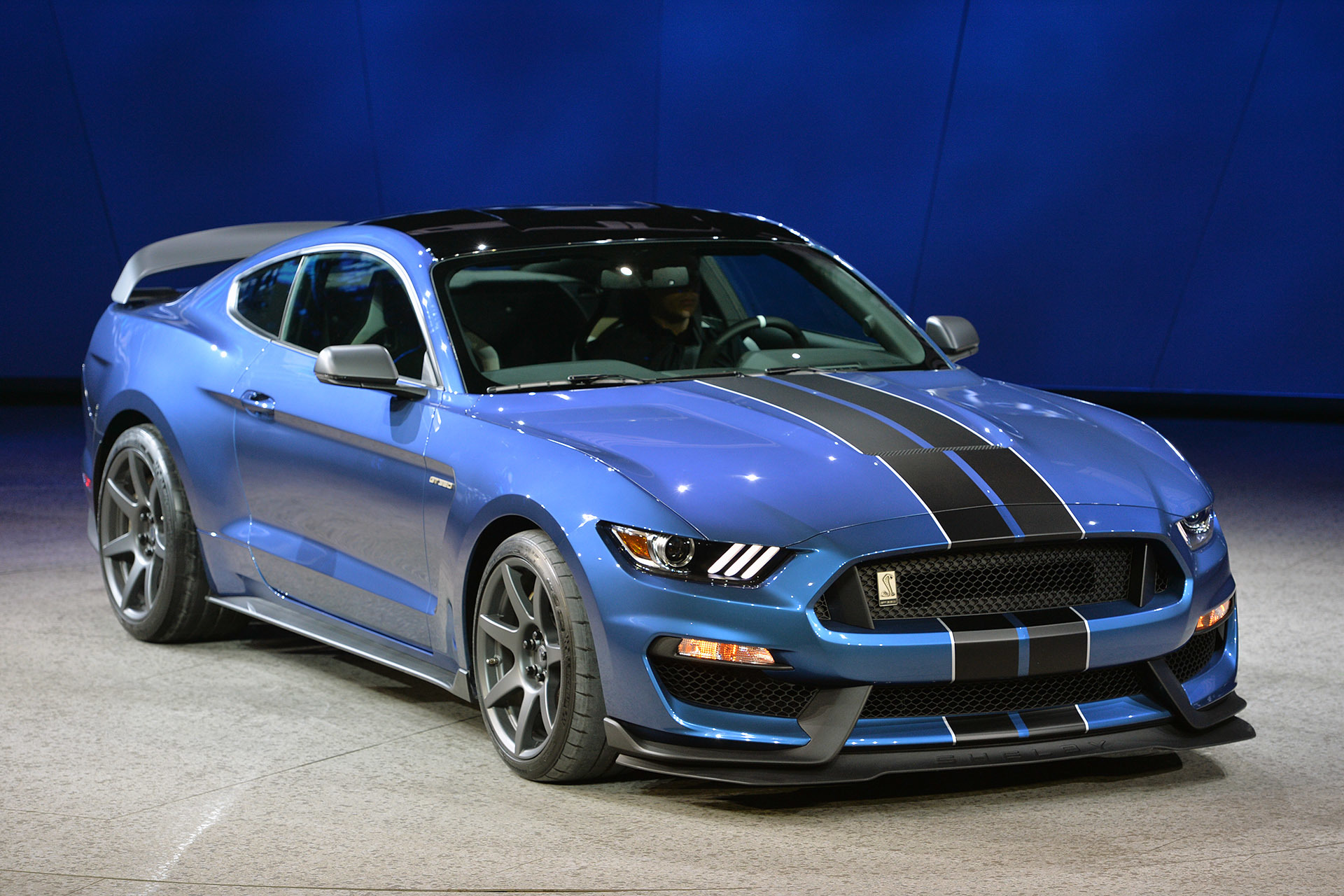 2016 Ford Shelby Gt350r Detroit 2015 Photo Gallery Autoblog