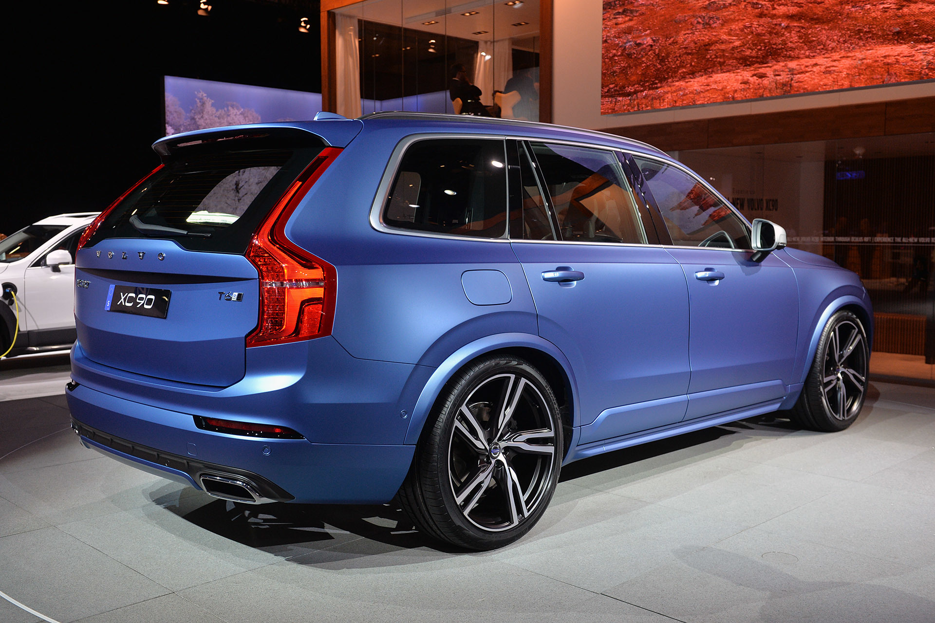 2015 volvo xc90 r design detroit 2015 photo gallery. Black Bedroom Furniture Sets. Home Design Ideas