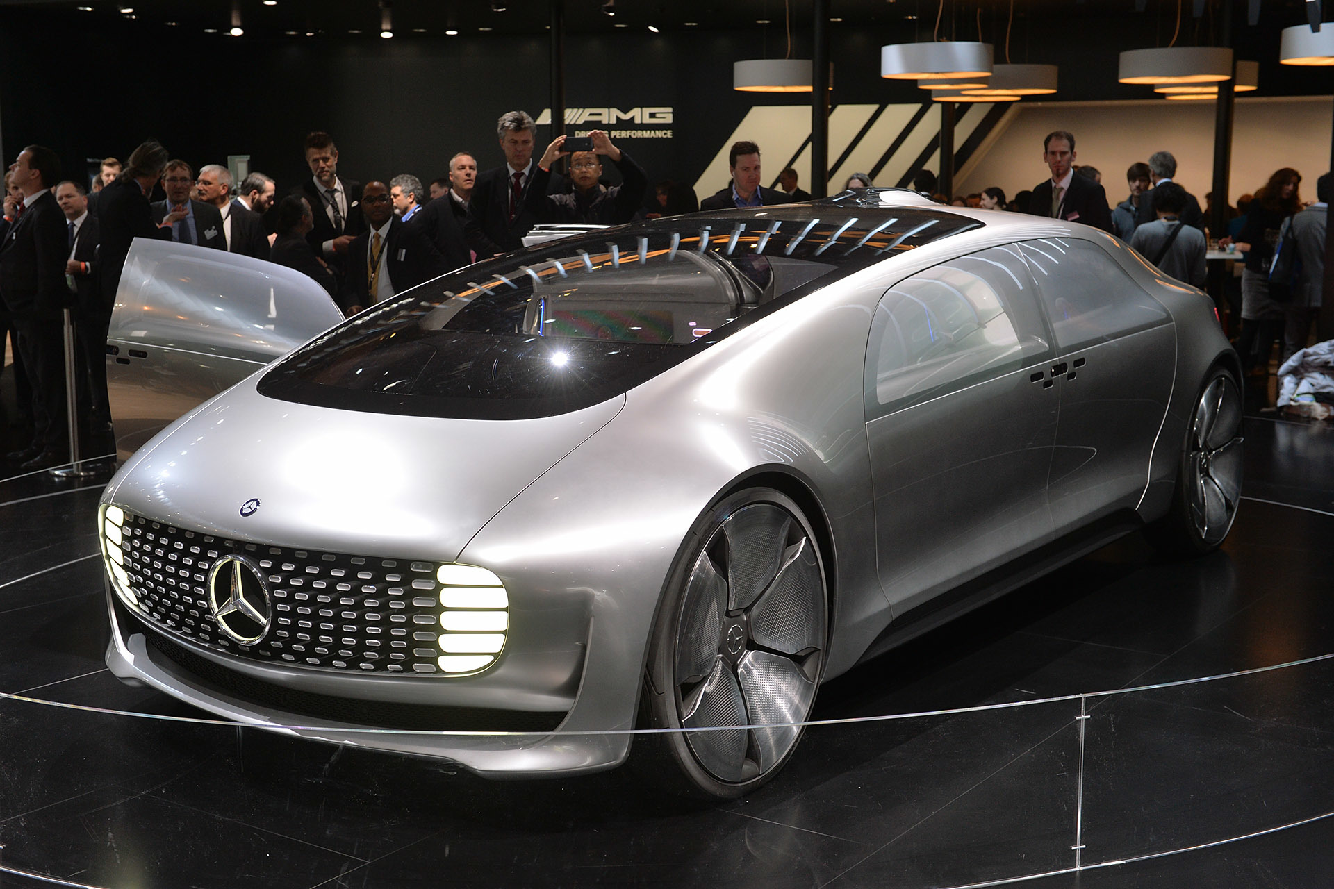 Mercedes benz f 015 luxury in motion detroit 2015 photo for Mercedes benz f 015