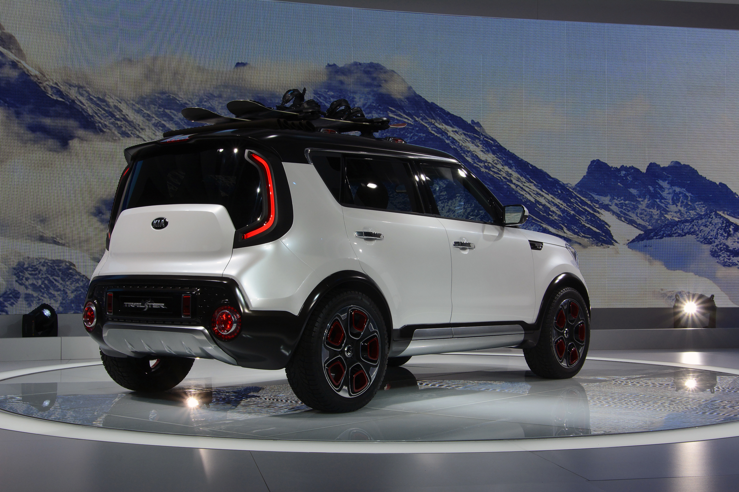 Kia Soul Trailster Concept: Chicago 2015 Photo Gallery ...