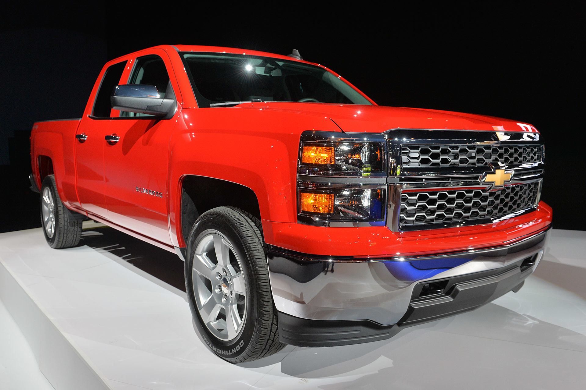 2015 chevrolet silverado custom chicago 2015 photo gallery autoblog. Black Bedroom Furniture Sets. Home Design Ideas