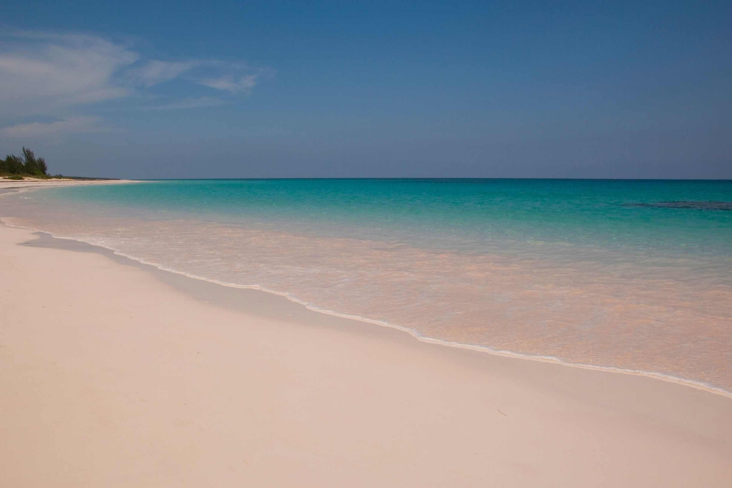 World 39 s most colourful beaches aol travel uk for Bahamas pink sand beaches
