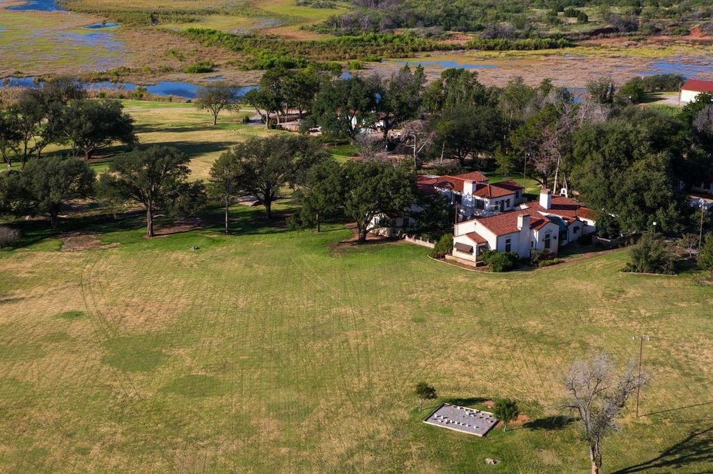 Famed waggoner ranch on texas market for 725 million Luxury ranch texas