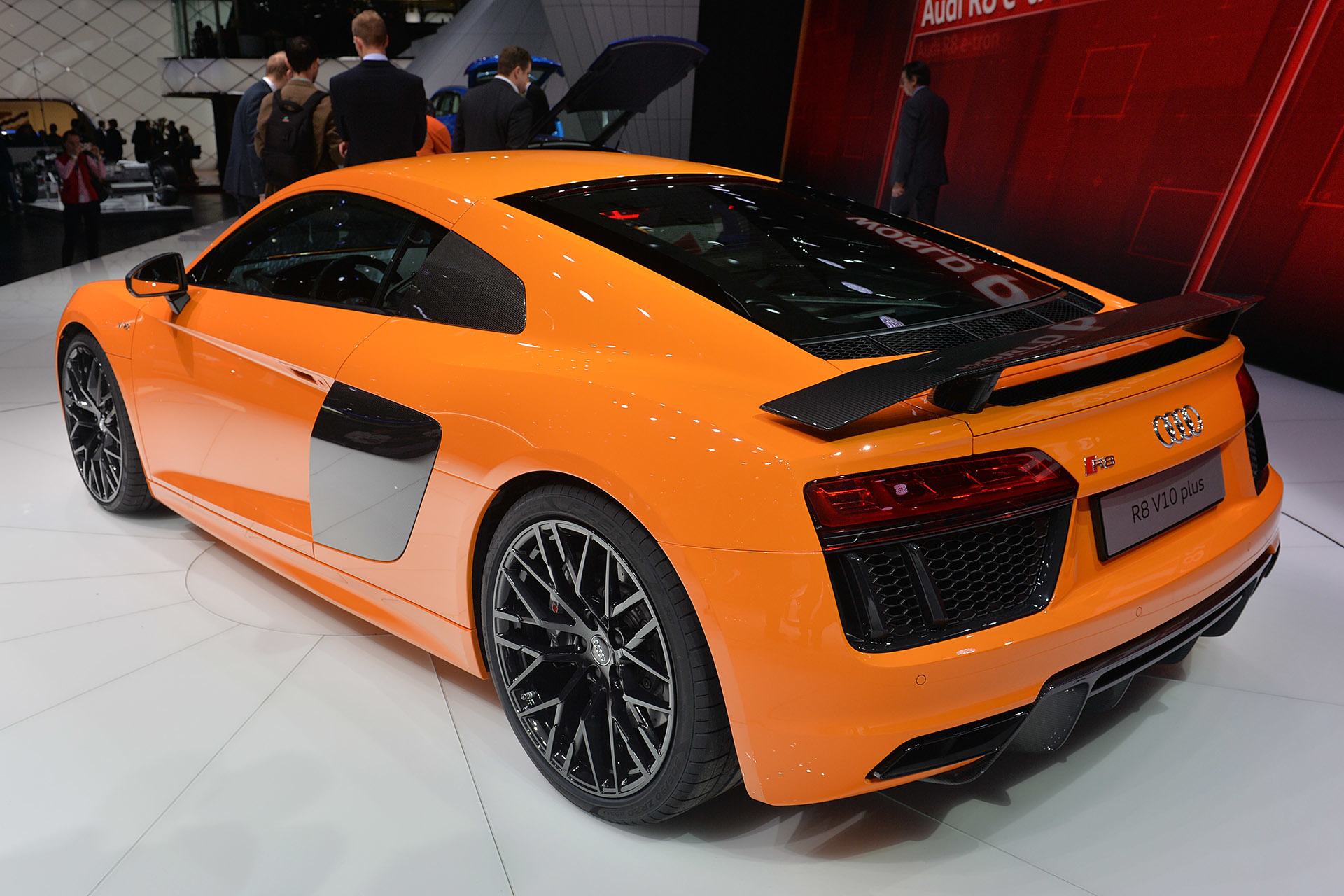 2016 audi r8 geneva 2015 photo gallery autoblog. Black Bedroom Furniture Sets. Home Design Ideas