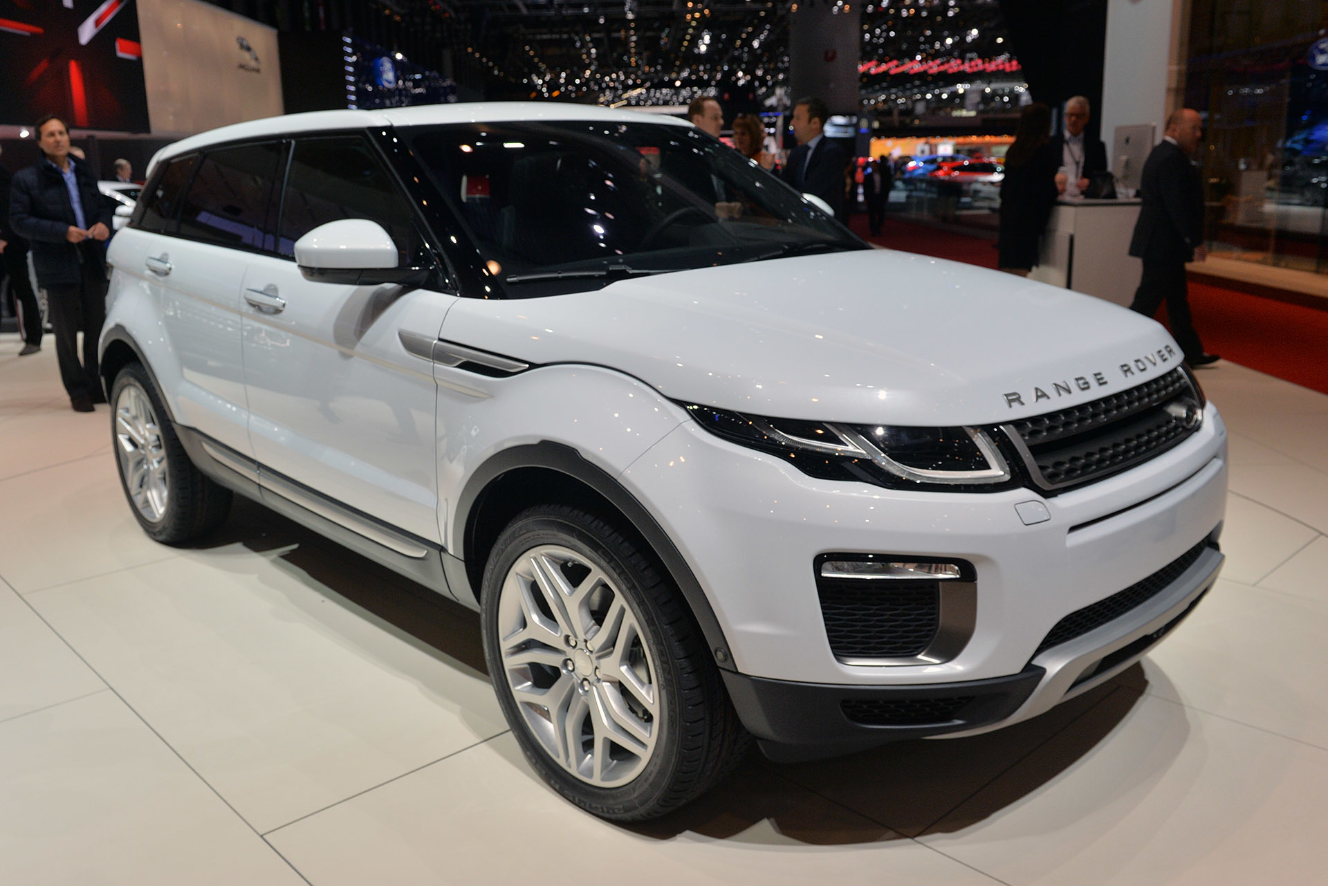 2016 land rover range rover evoque geneva 2015 photo gallery. Black Bedroom Furniture Sets. Home Design Ideas
