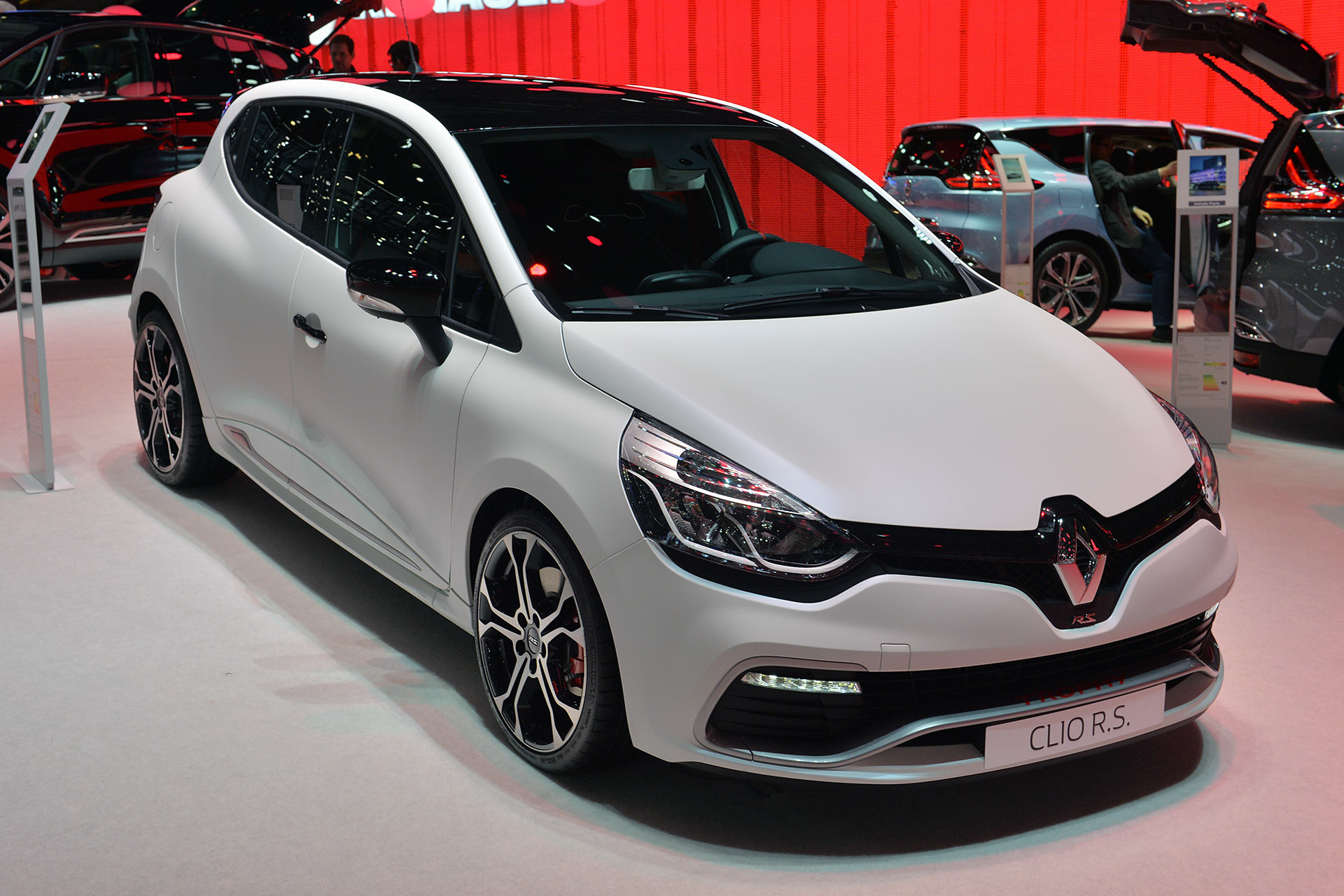 renault clio rs 220 trophy geneva 2015 photo gallery autoblog. Black Bedroom Furniture Sets. Home Design Ideas