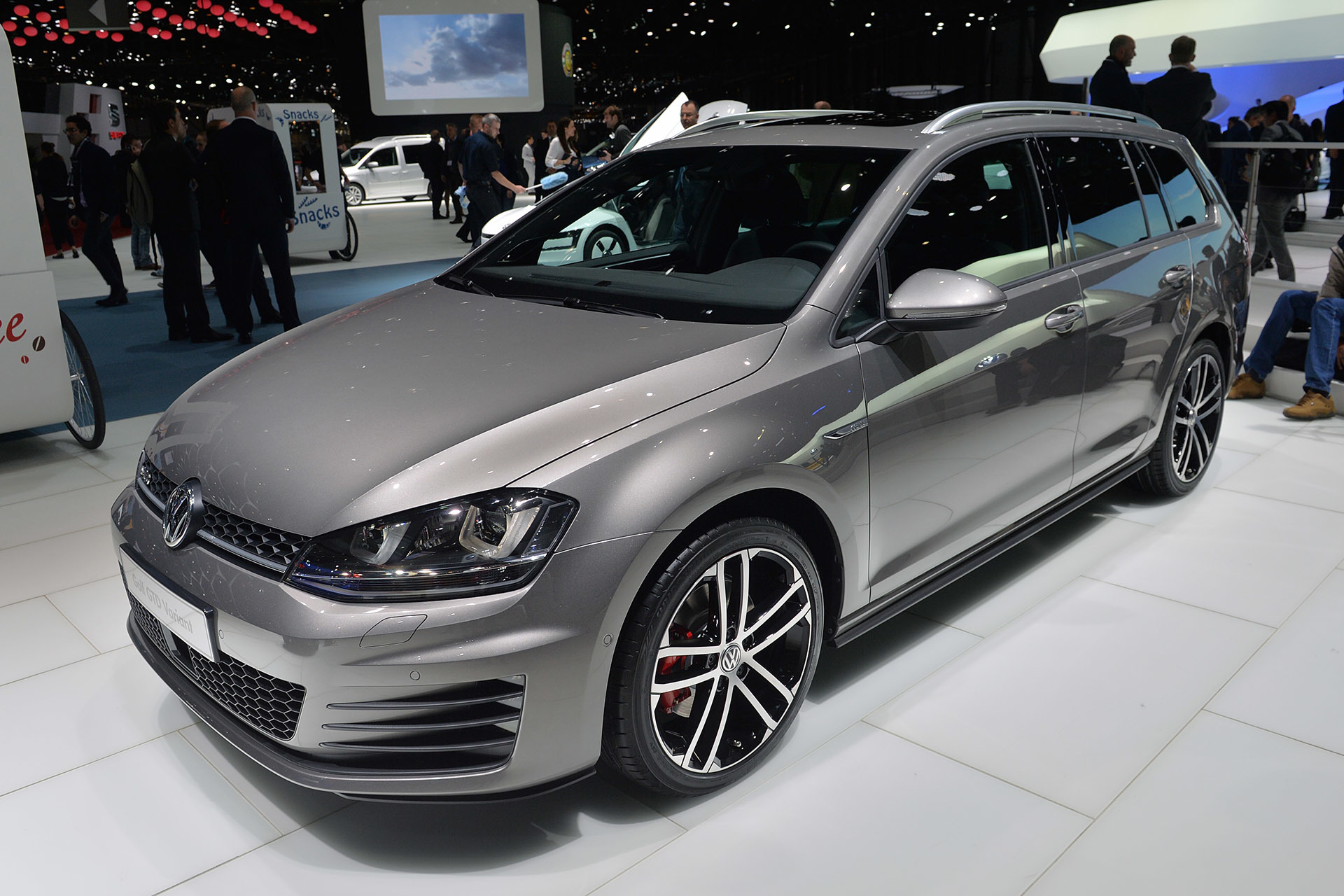 2015 volkswagen golf gtd variant geneva 2015 photo. Black Bedroom Furniture Sets. Home Design Ideas