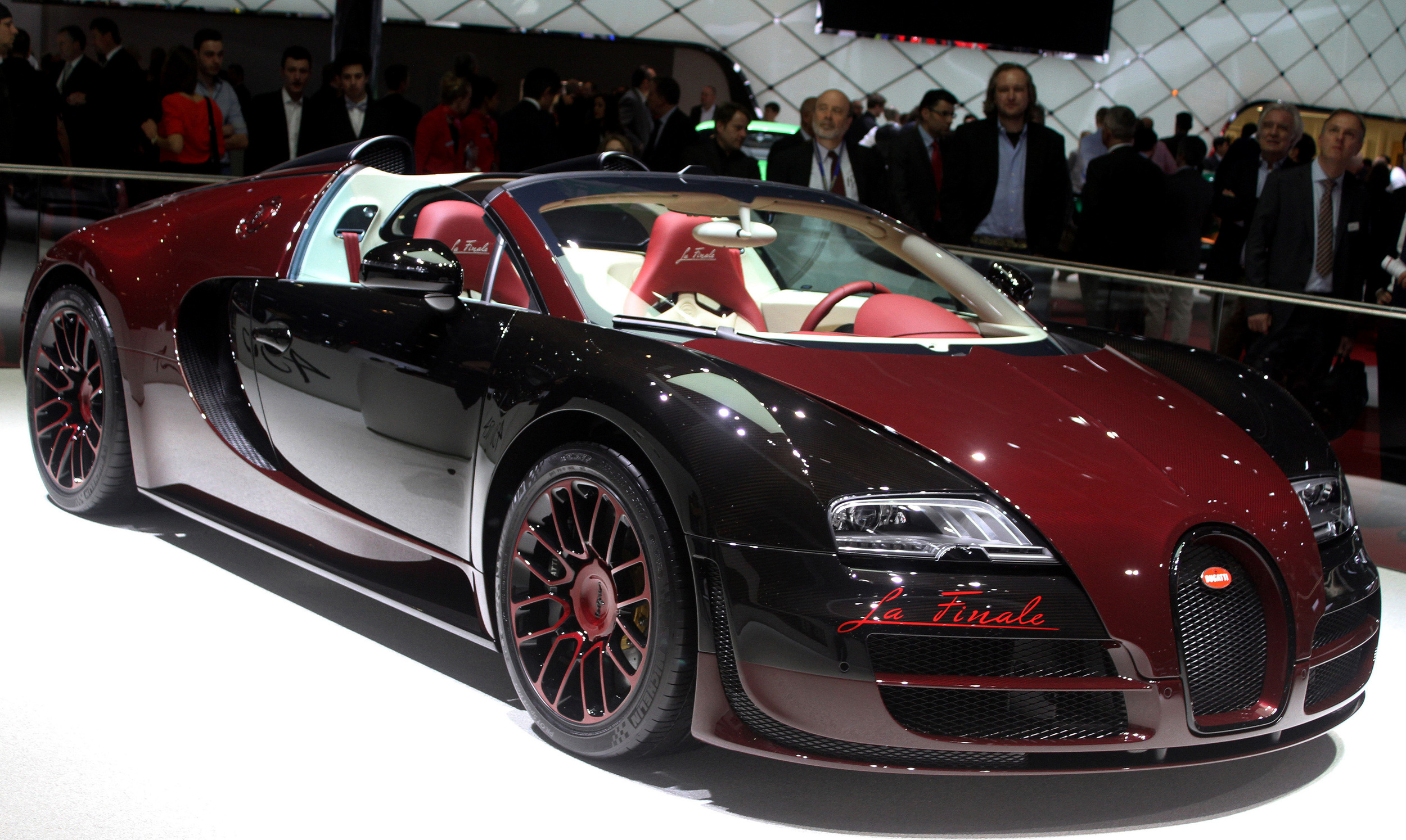 bugatti veyron grand sport vitesse la finale geneva 2015 autoblog. Black Bedroom Furniture Sets. Home Design Ideas