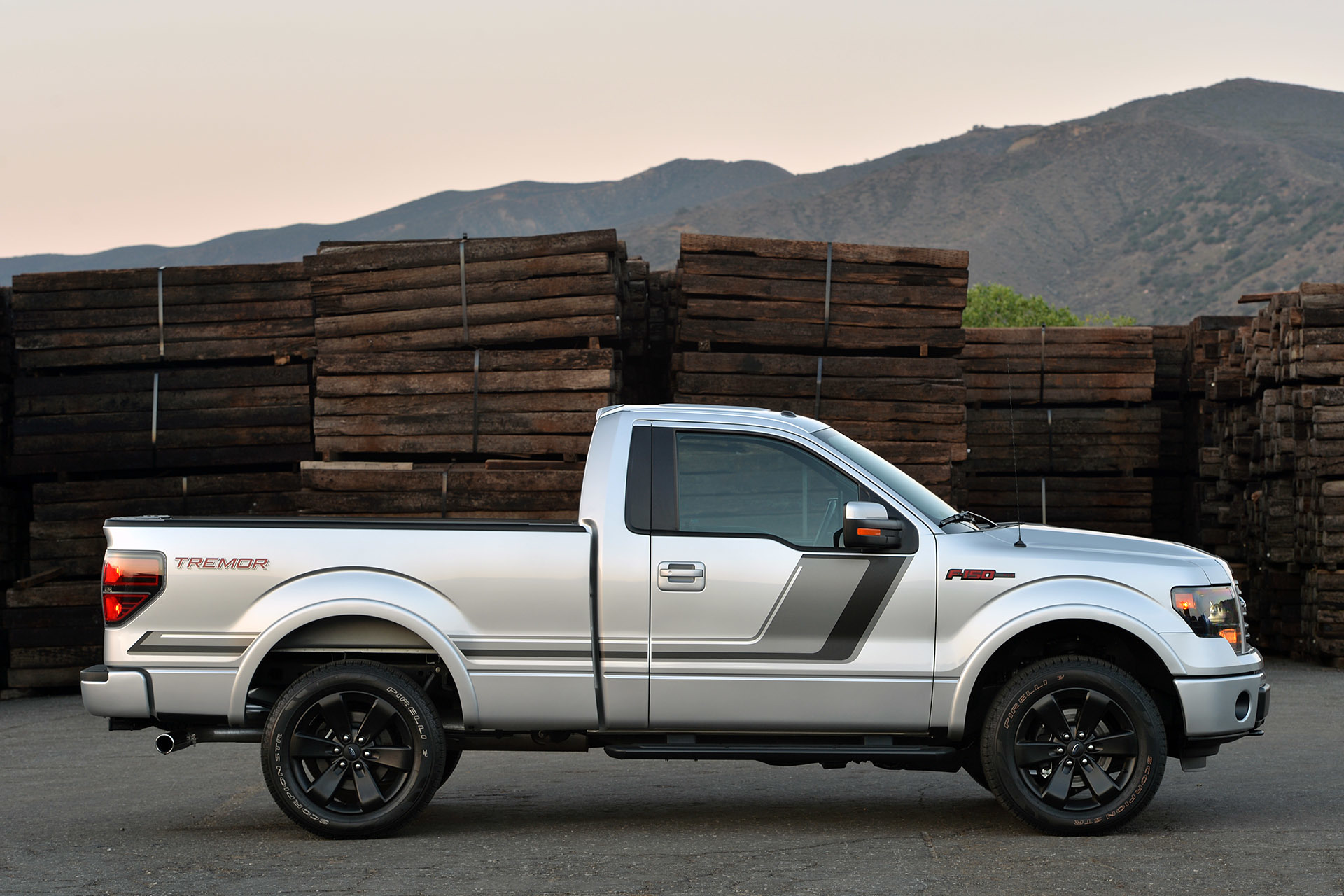 2015 ford f 150 tremor photo gallery autoblog. Cars Review. Best American Auto & Cars Review
