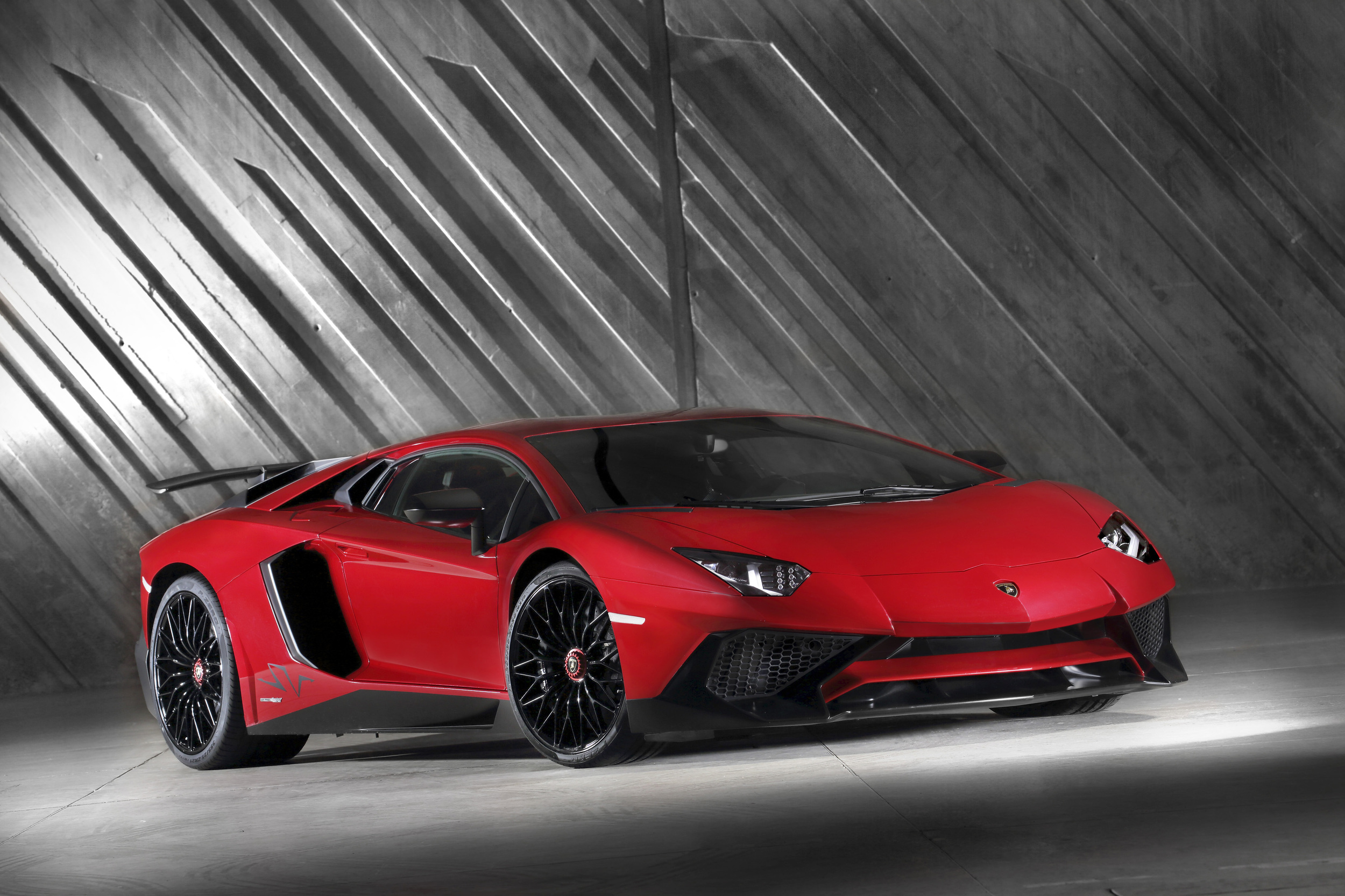 lamborghini aventador photo galleries - autoblog