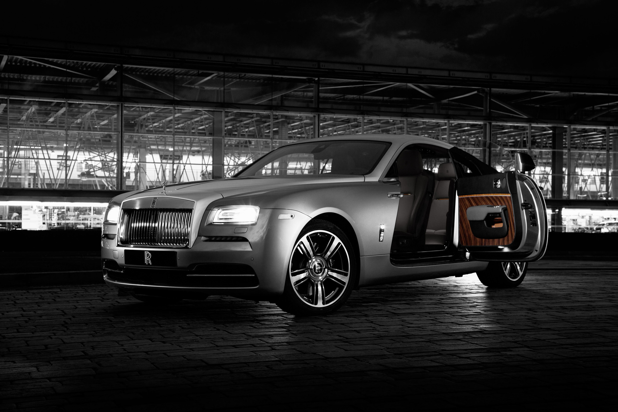 2013 - [Rolls Royce] Wraith - Page 7 F4a9872-door-open-small-1