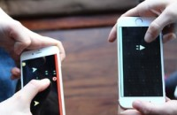 Shoot retro space bullets at friends' phones in real time with 'Dual'