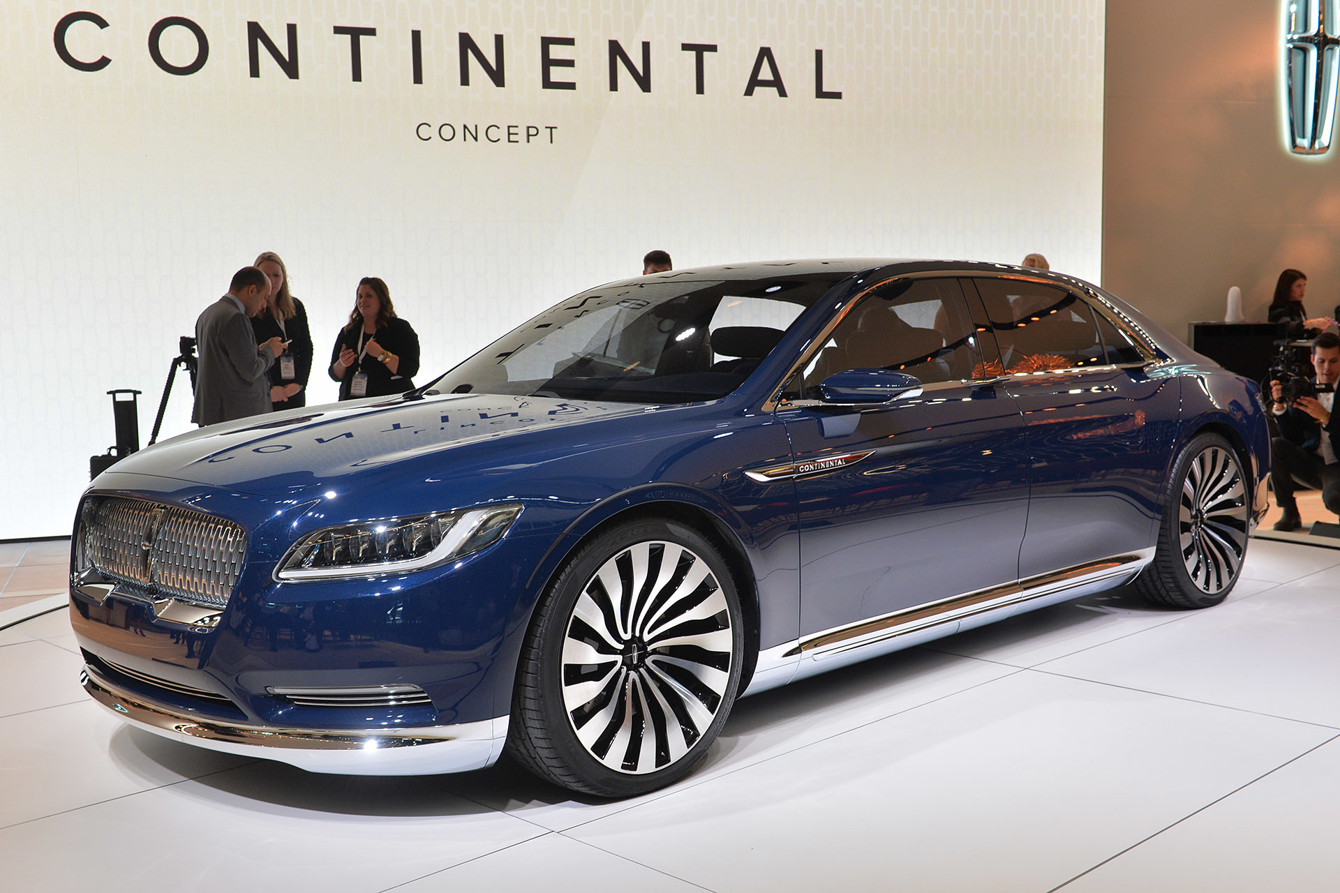lincoln continental concept new york 2015 autoblog. Black Bedroom Furniture Sets. Home Design Ideas
