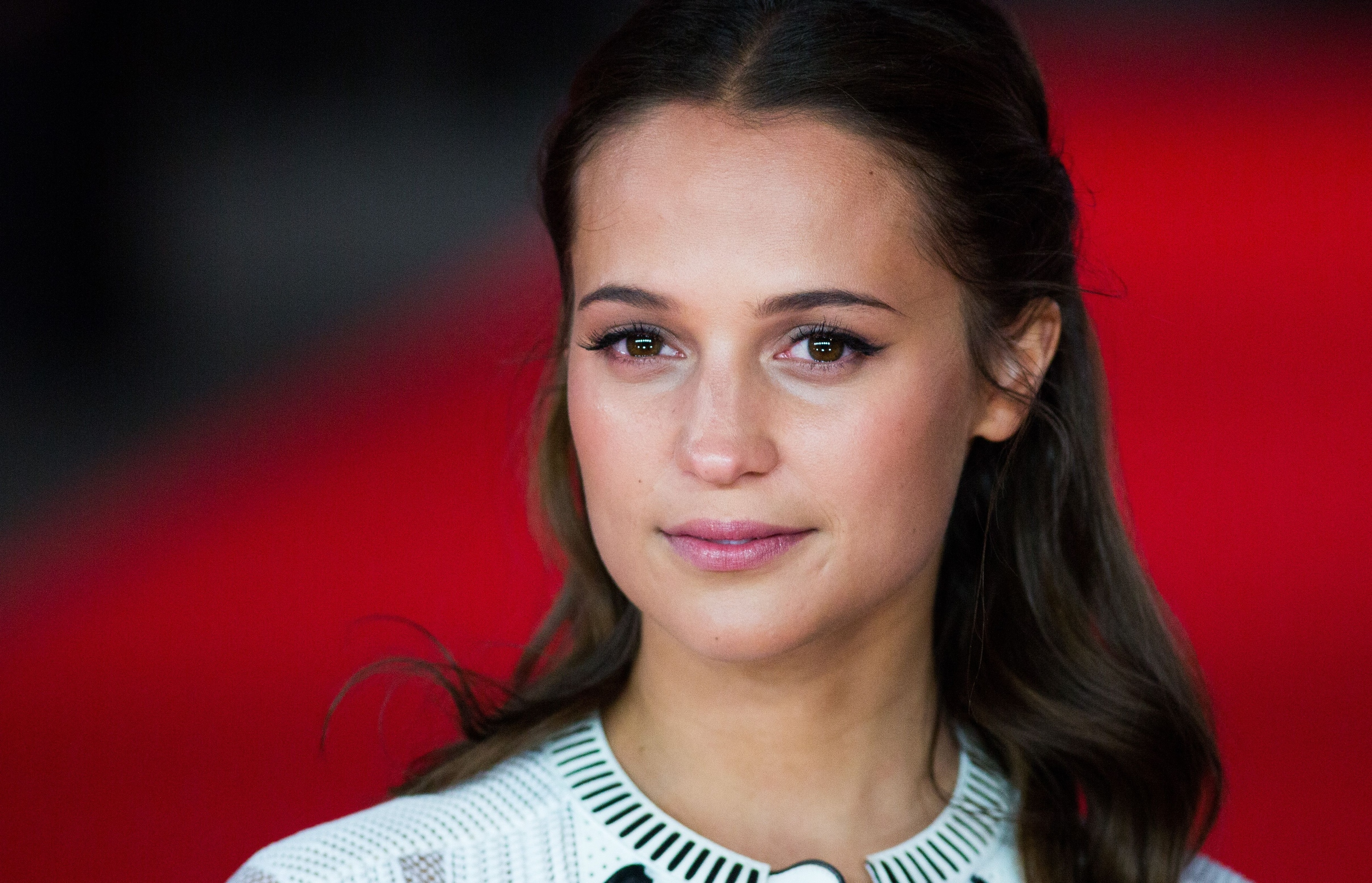 Alicia Vikander Facts: 9 Things You (Probably) Don't Know About the ...