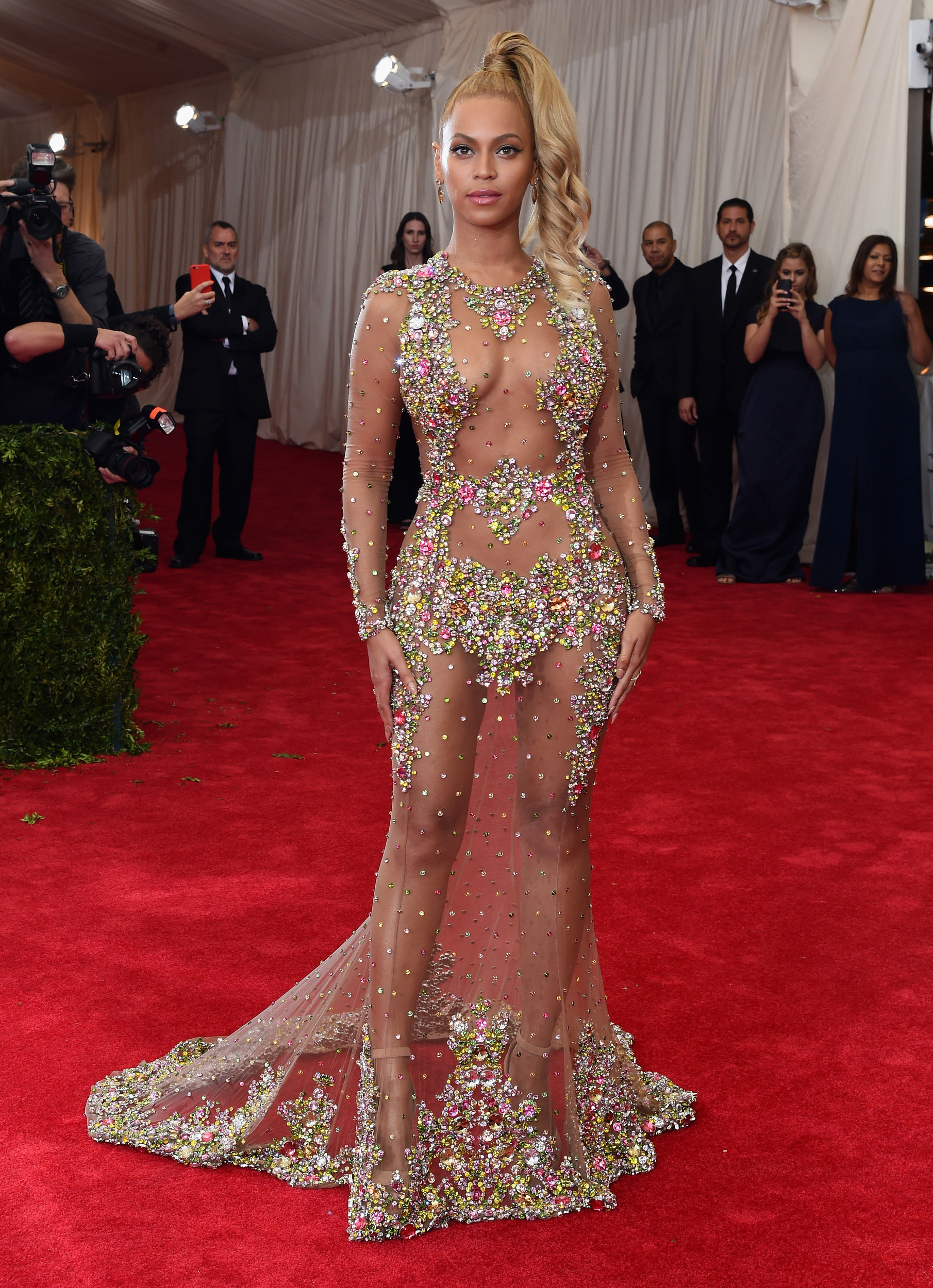 Kim Kardashian Wears See Through Dress To 2015 Met Gala