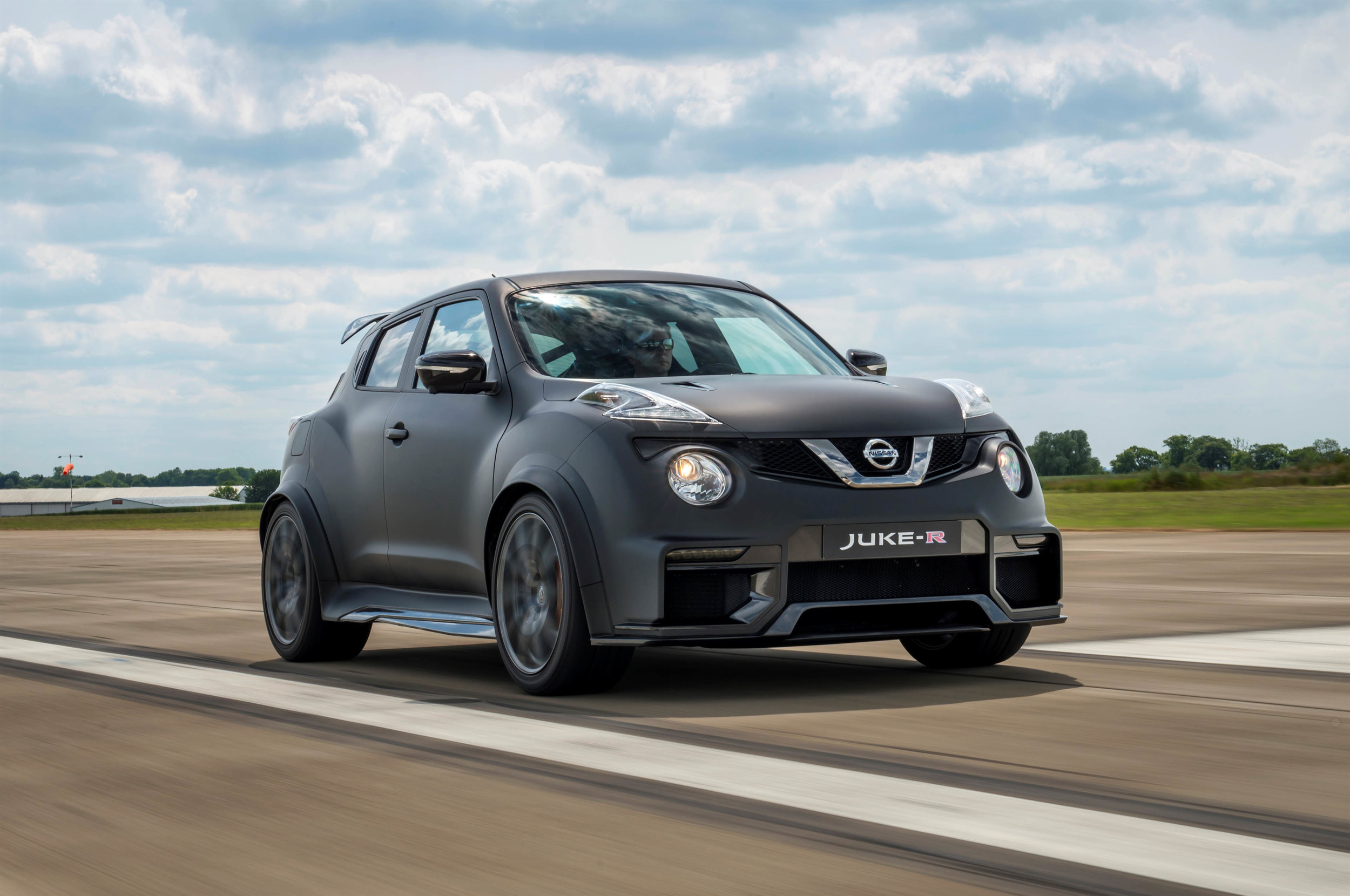 Nissan juke prices reviews and new model information autoblog nissan juke r 20 vanachro Images