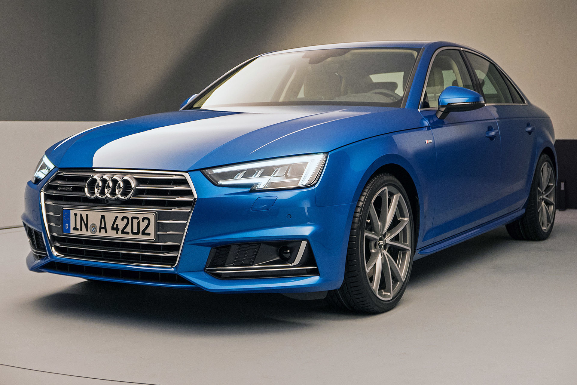 Audi rs3 hatchback price in india 11