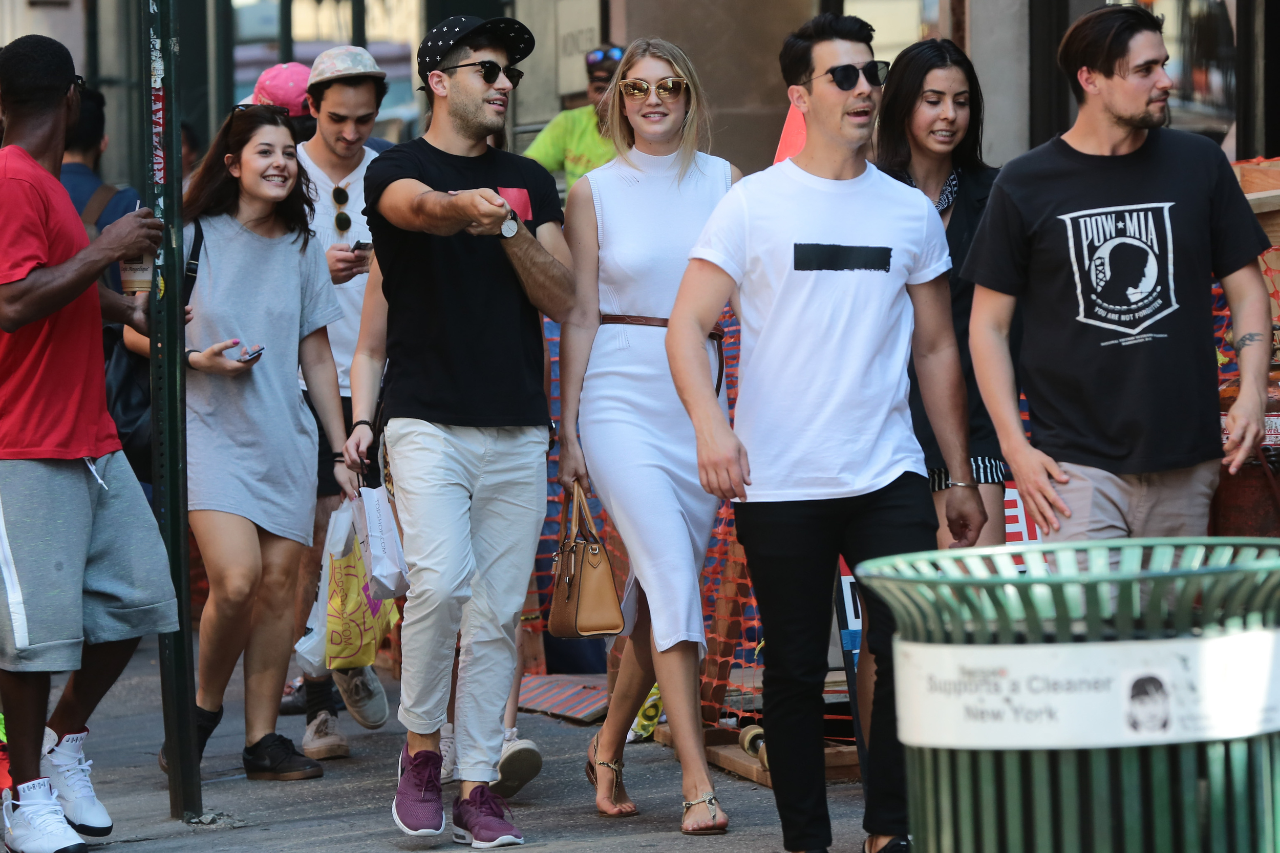 Best Celebrity Sightings in New York, NY - Last Updated ...
