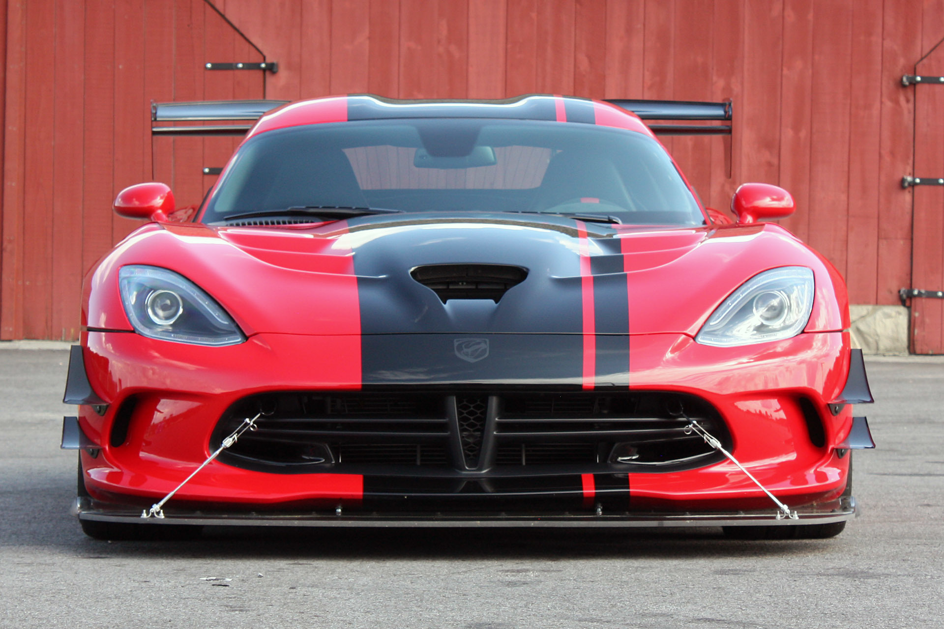 Cool 2016 Dodge Viper ACR Smashing Lap Records Everywhere