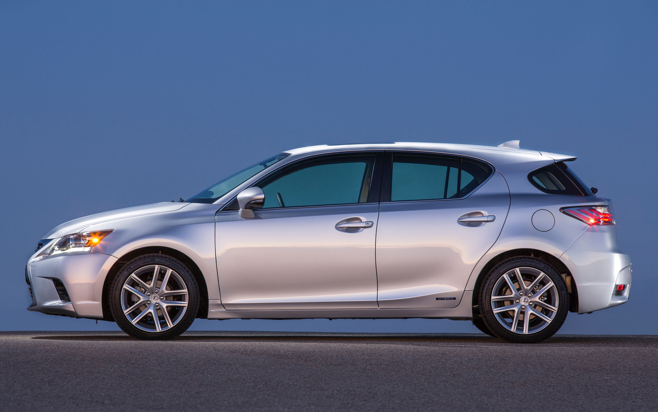 the sexiness hybrid is dsc of lexus ct pounds