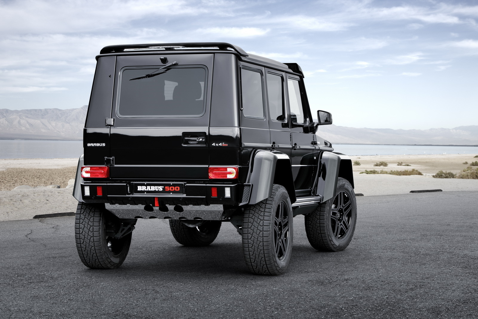 ' ' from the web at 'http://www.blogcdn.com/slideshows/images/slides/362/039/3/S3620393/slug/l/brabus-mercedes-benz-g-500-4-x-4-003-1.jpg'