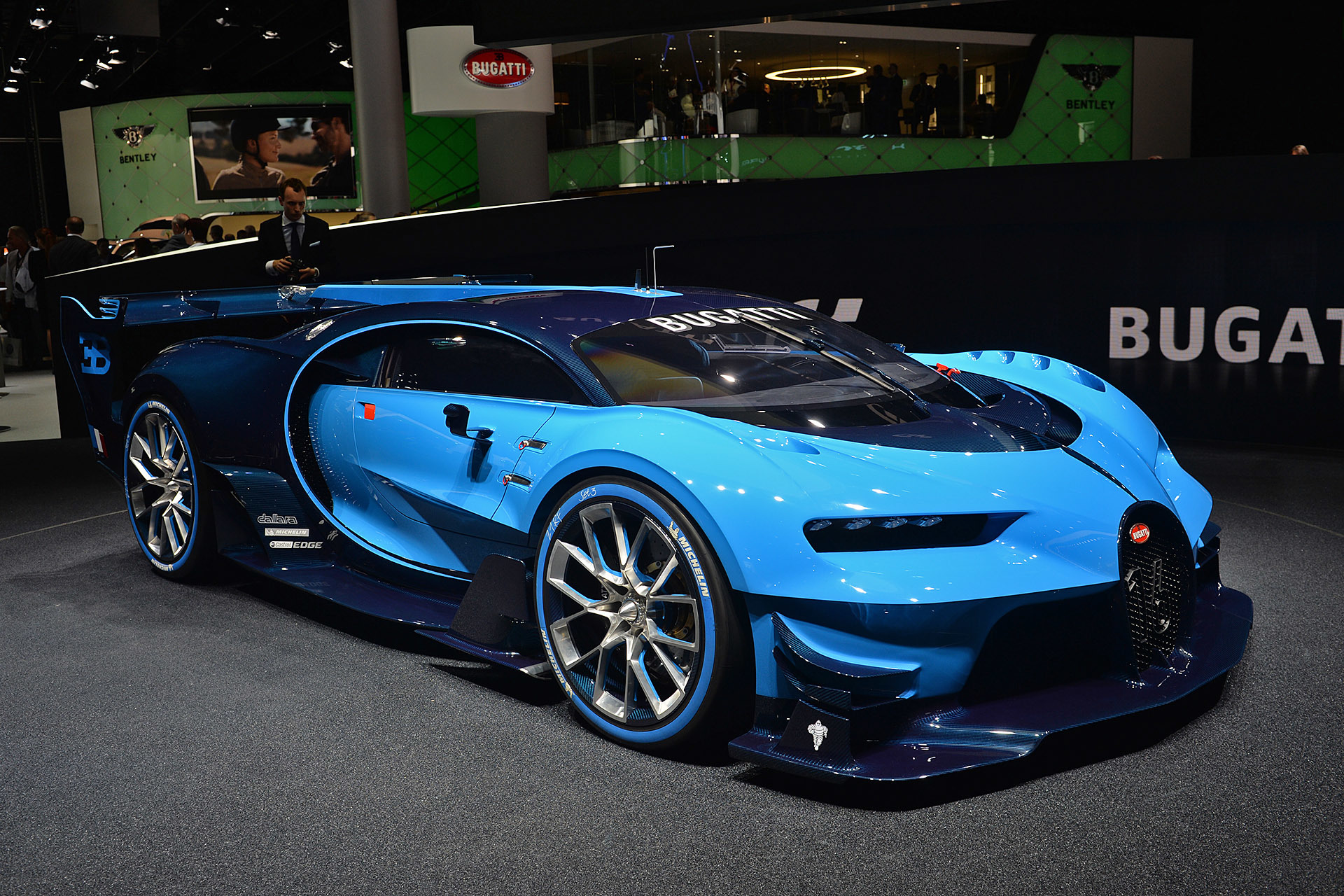 bugatti vision gran turismo frankfurt 2015 autoblog. Black Bedroom Furniture Sets. Home Design Ideas