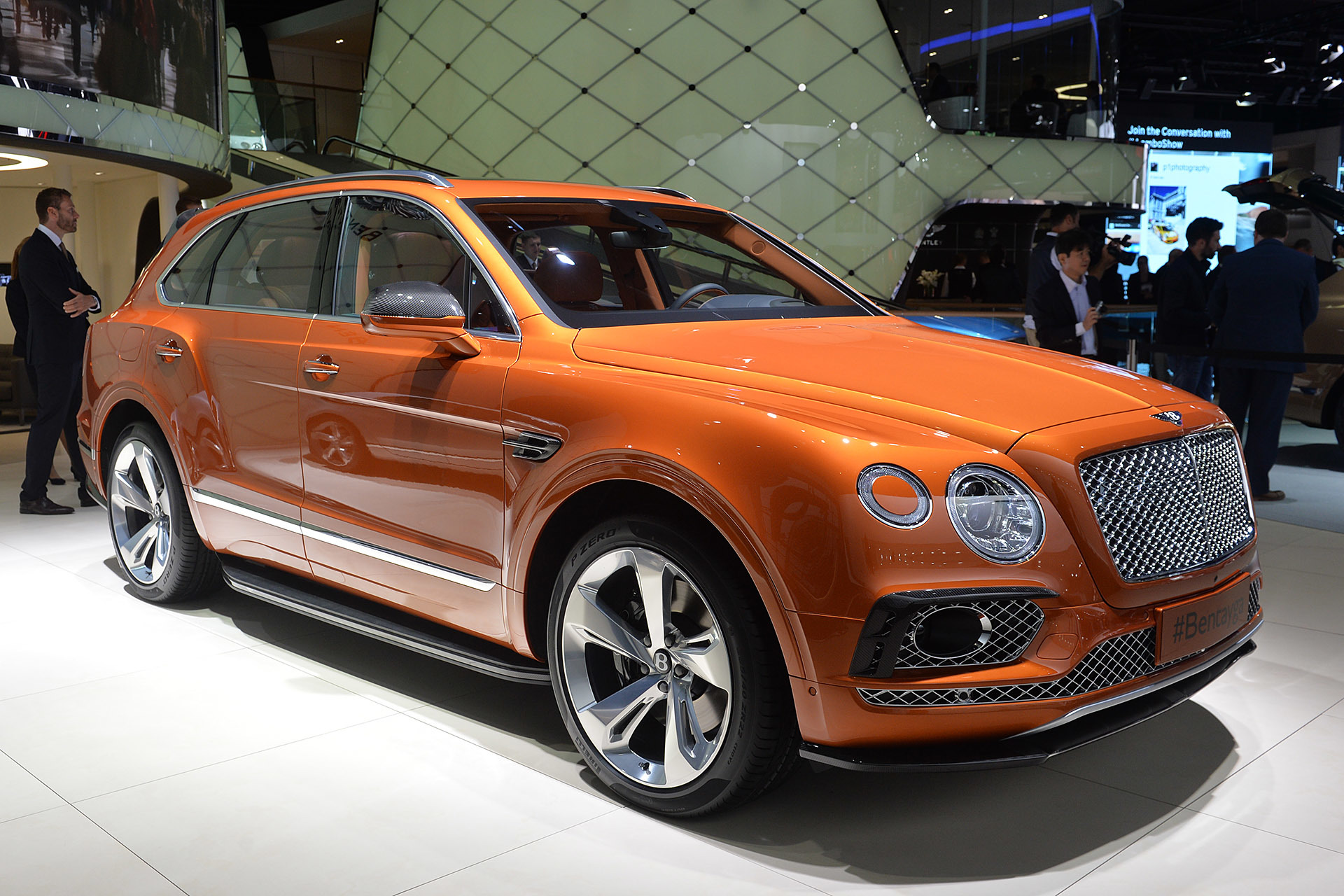 Bentley Bentayga 2016 Dark Cars Wallpapers