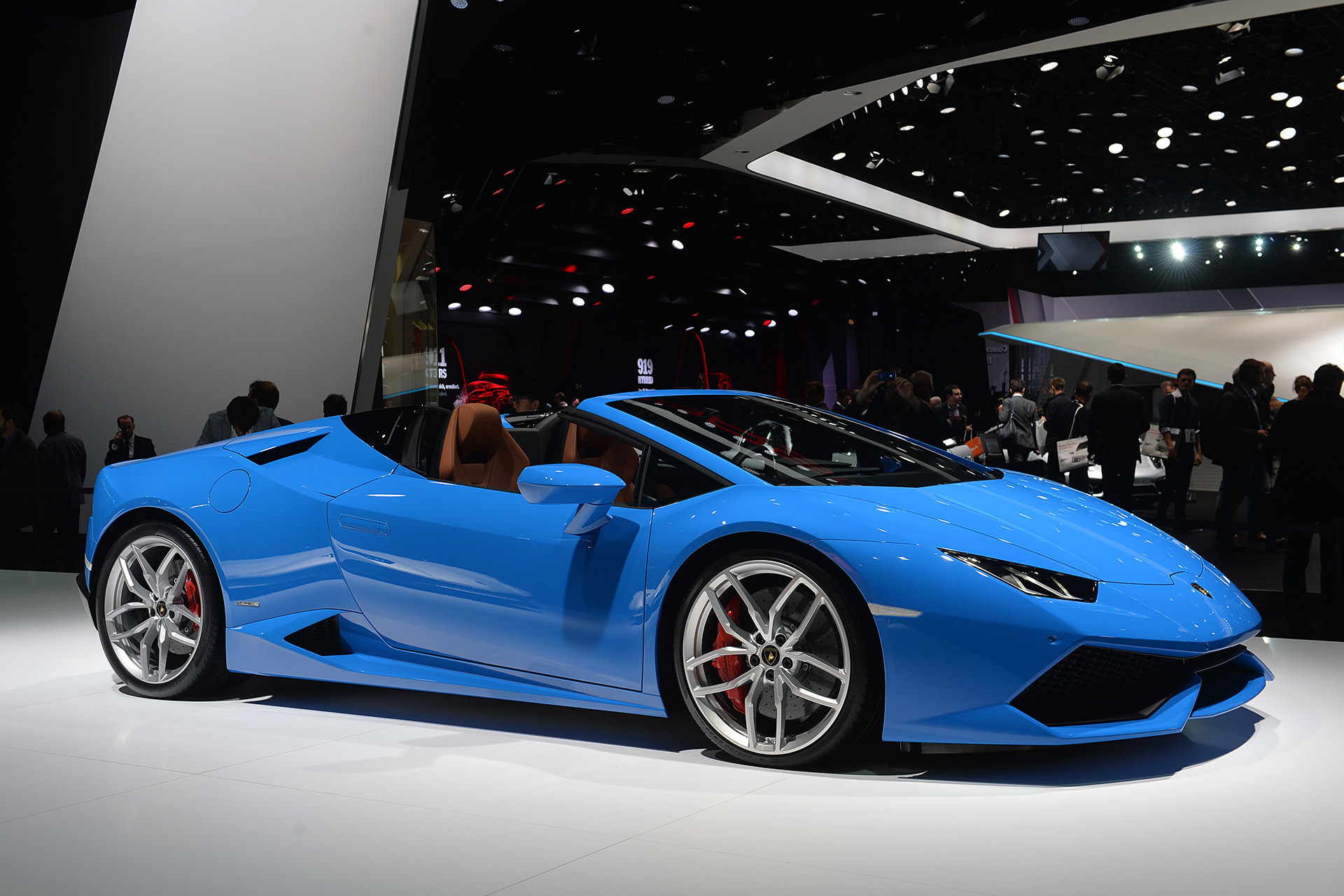 lamborghini huracan lp 610 4 spyder frankfurt 2015 autoblog. Black Bedroom Furniture Sets. Home Design Ideas