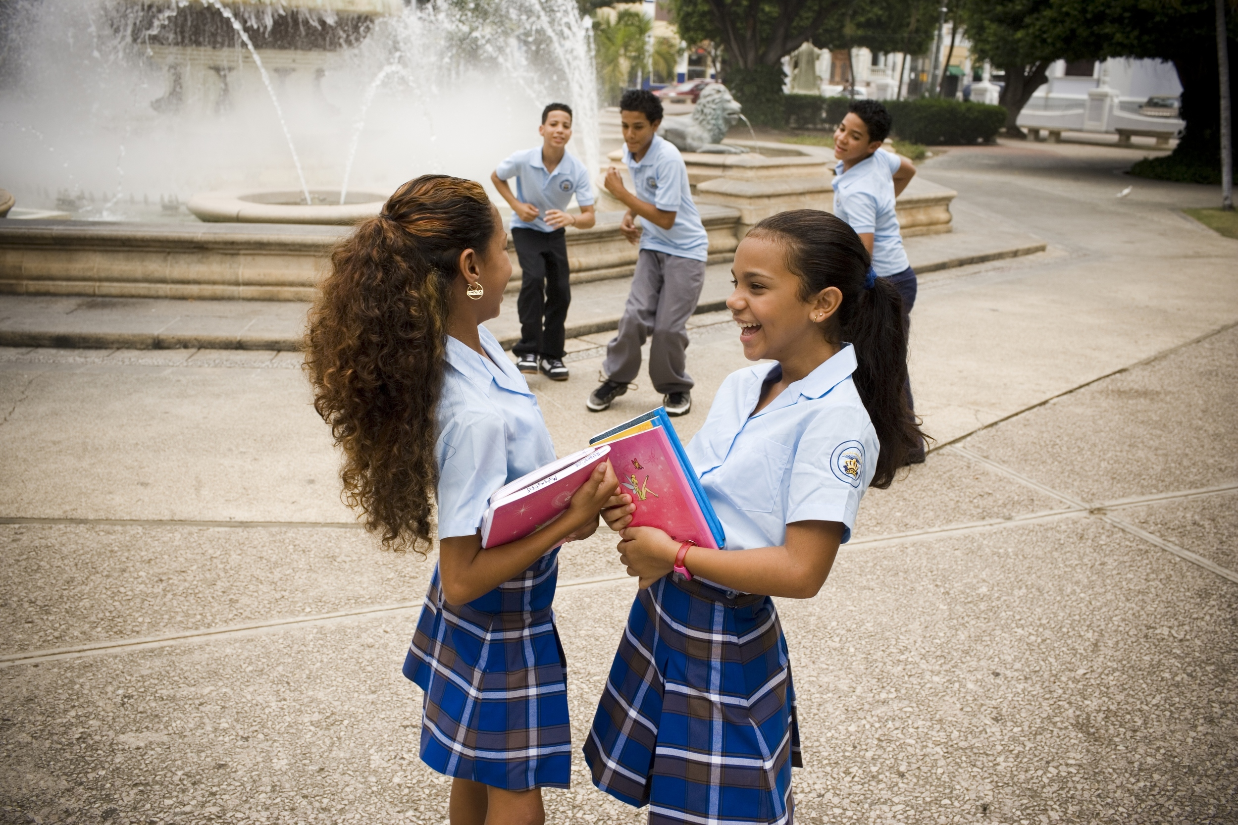 an argument in favor of wearing school uniforms in the united states Many students who are against school uniforms argue that they lose their   based on the first amendment to the us constitution, the us.