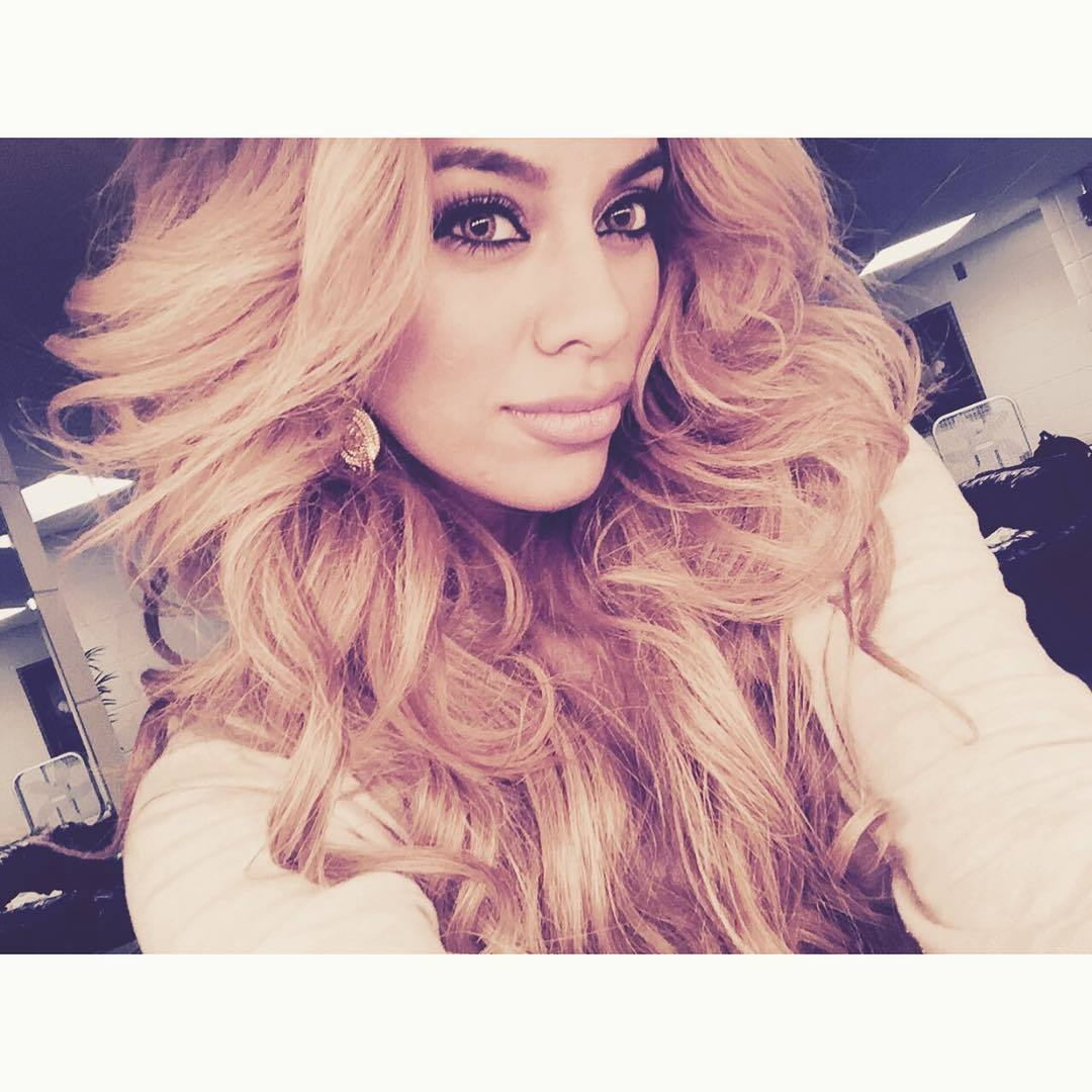 Demi Lovato Gives 5h S Dinah Jane Hansen The Perfect