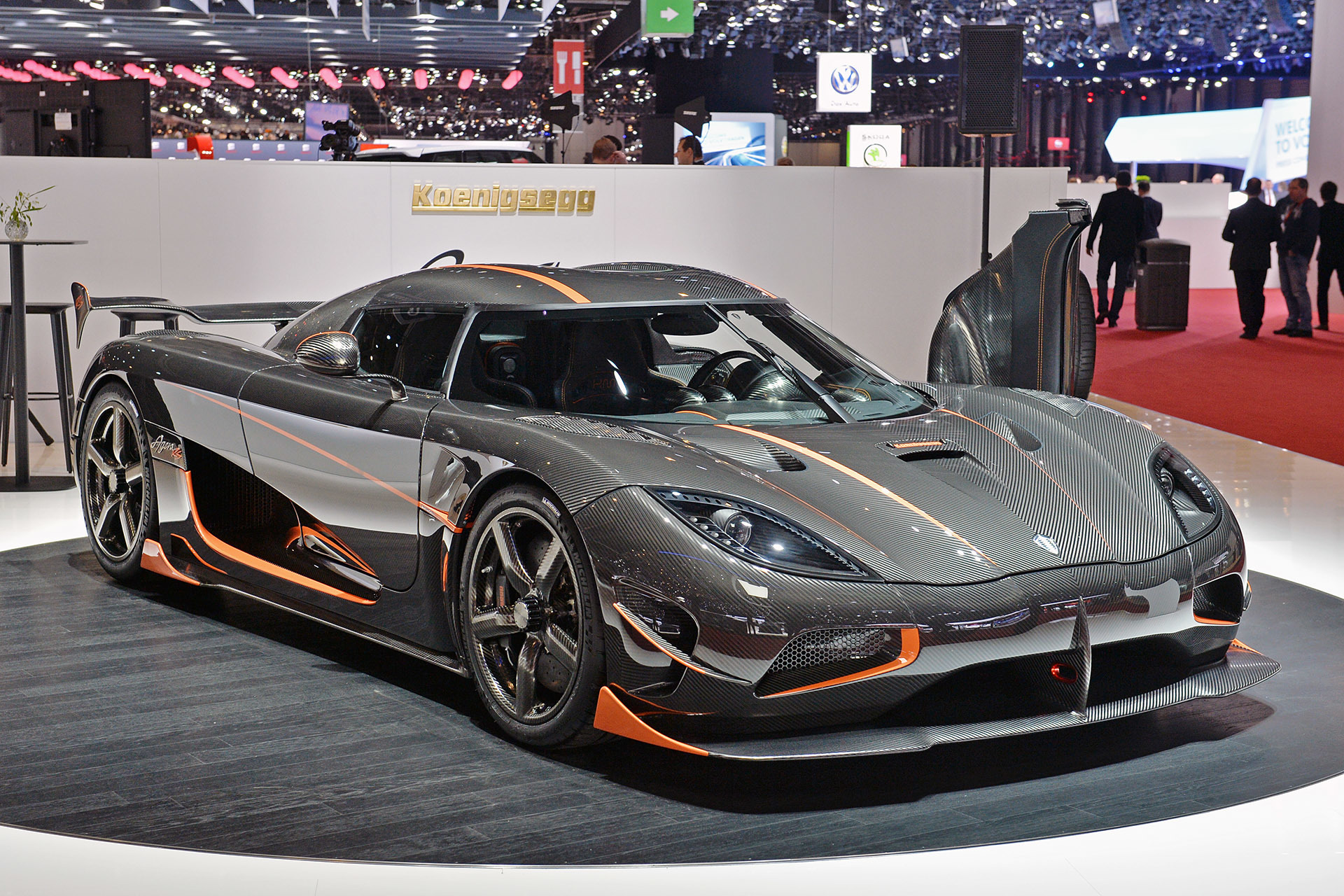 koenigsegg agera rs geneva 2015 autoblog. Black Bedroom Furniture Sets. Home Design Ideas