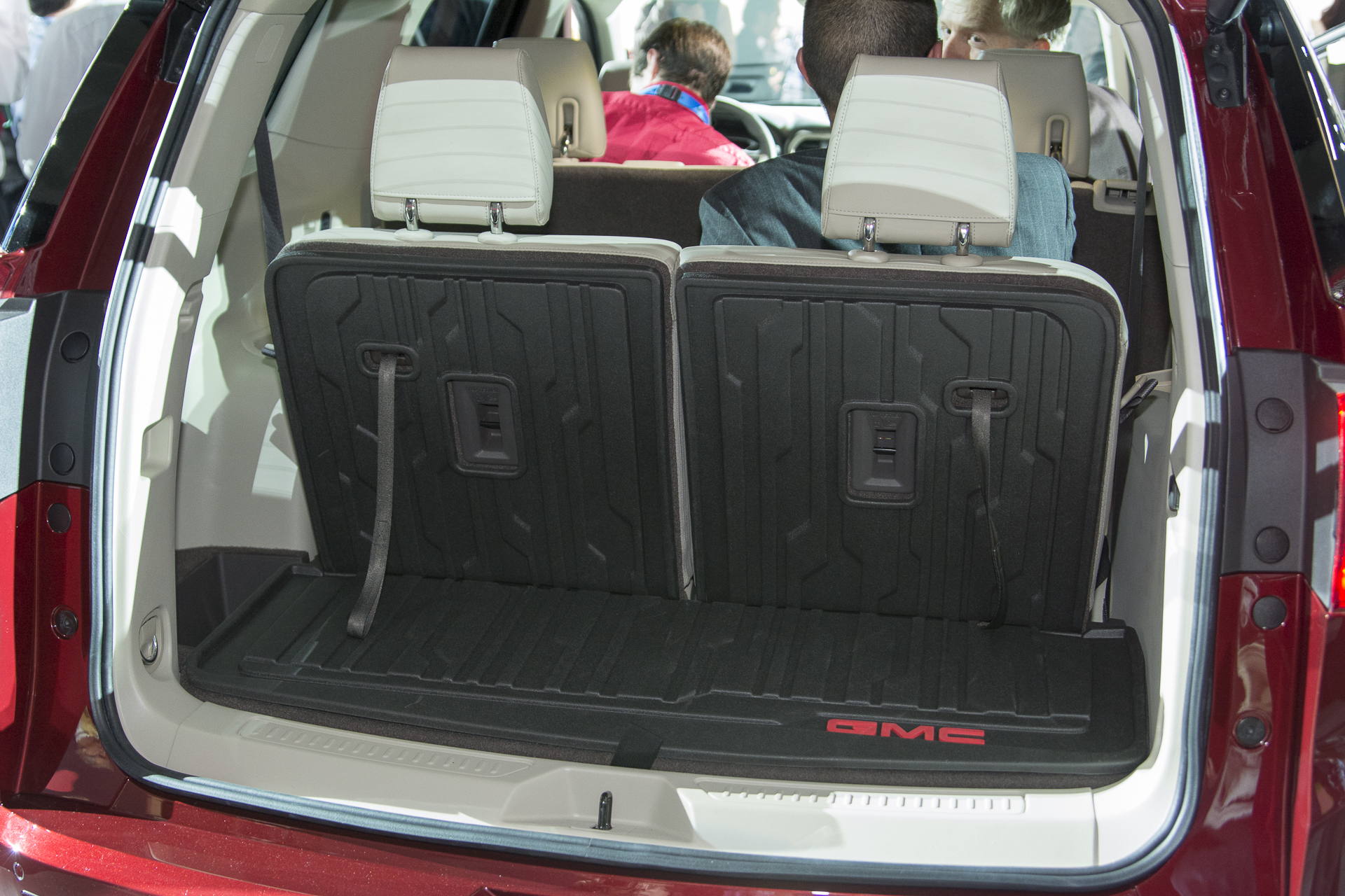 2017 Gmc Acadia Cargo Area Is Pretty Good Without The Third Row Non Existent With Http Www Autoblog 2016 01 12 2 Detroit
