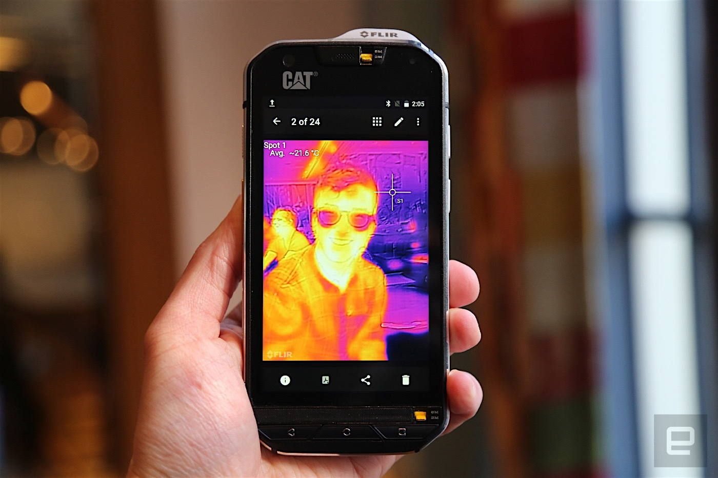 caterpillar s60 smartphone with integrated thermal camera page 1. Black Bedroom Furniture Sets. Home Design Ideas