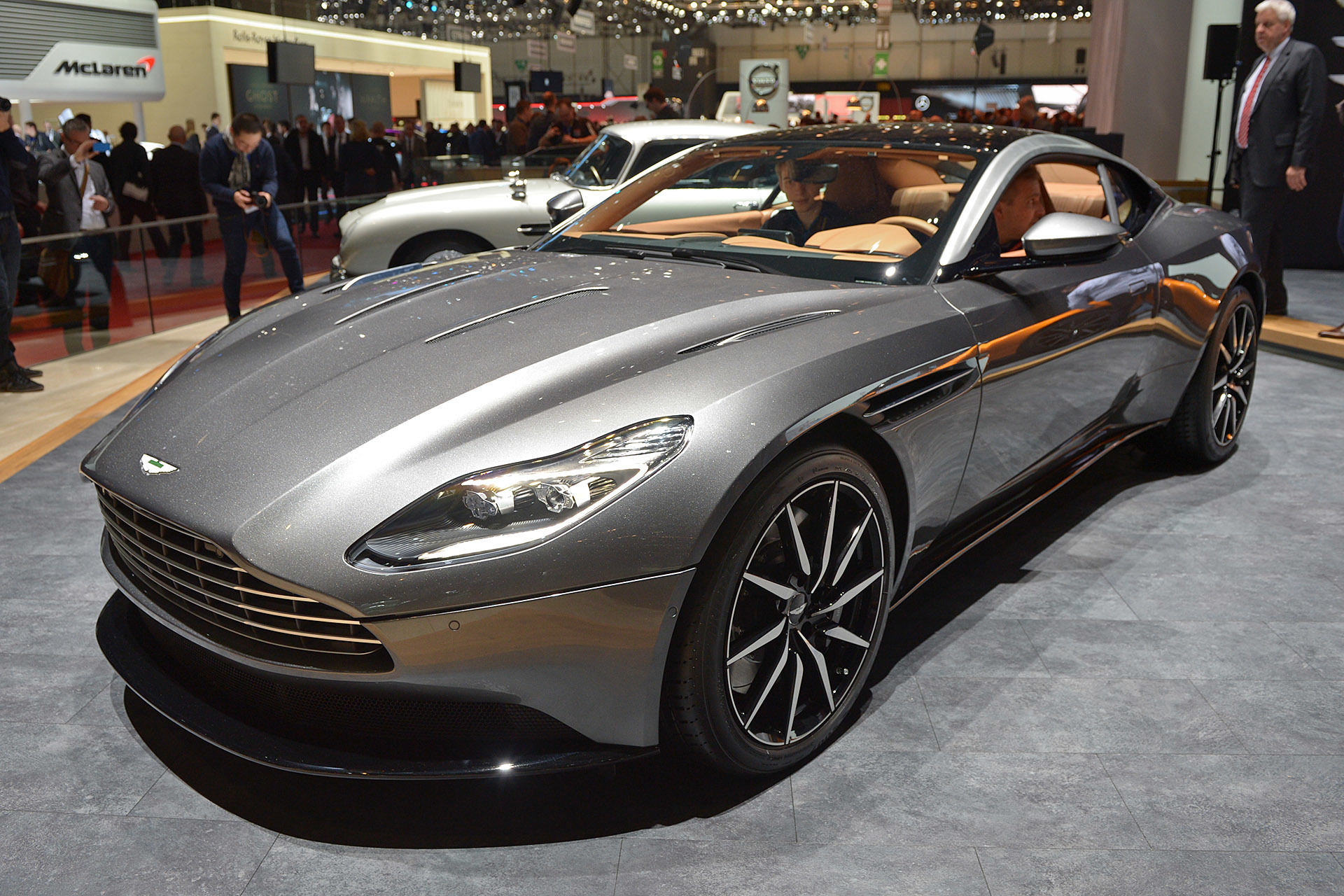 aston martin db11 2016 dark cars wallpapers. Black Bedroom Furniture Sets. Home Design Ideas