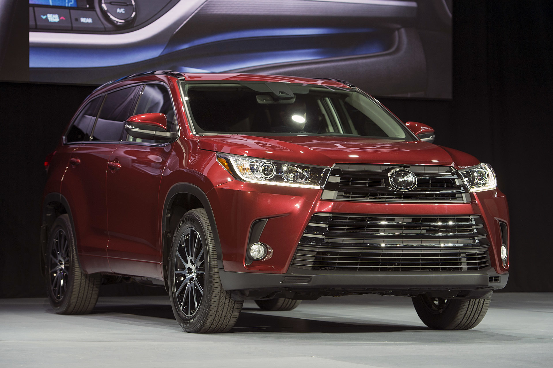 2017 toyota highlander new york 2016 0 autoblog. Black Bedroom Furniture Sets. Home Design Ideas