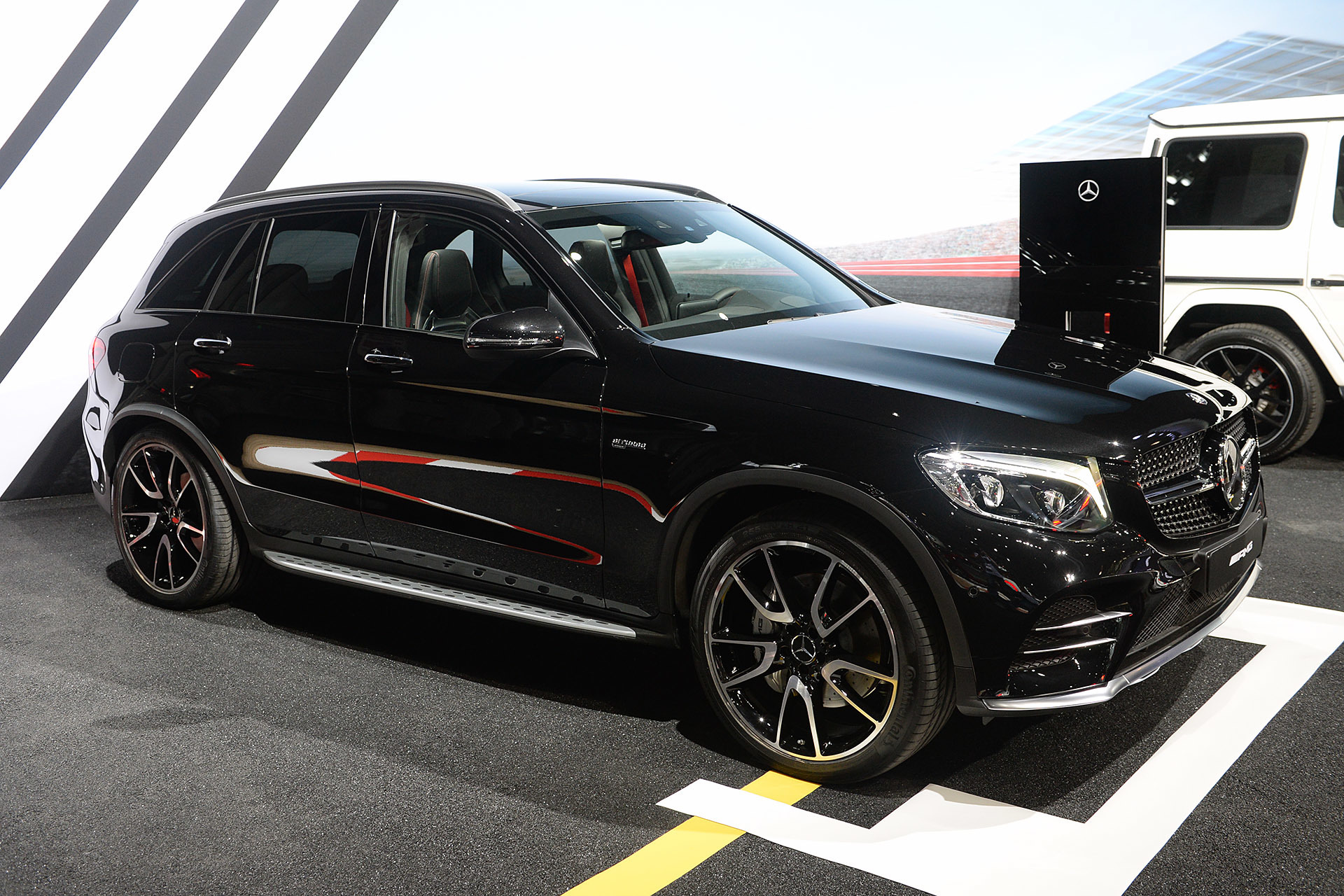 2017 mercedes amg glc43 2016 new york autoshow autoblog for Mercedes benz glc43 amg