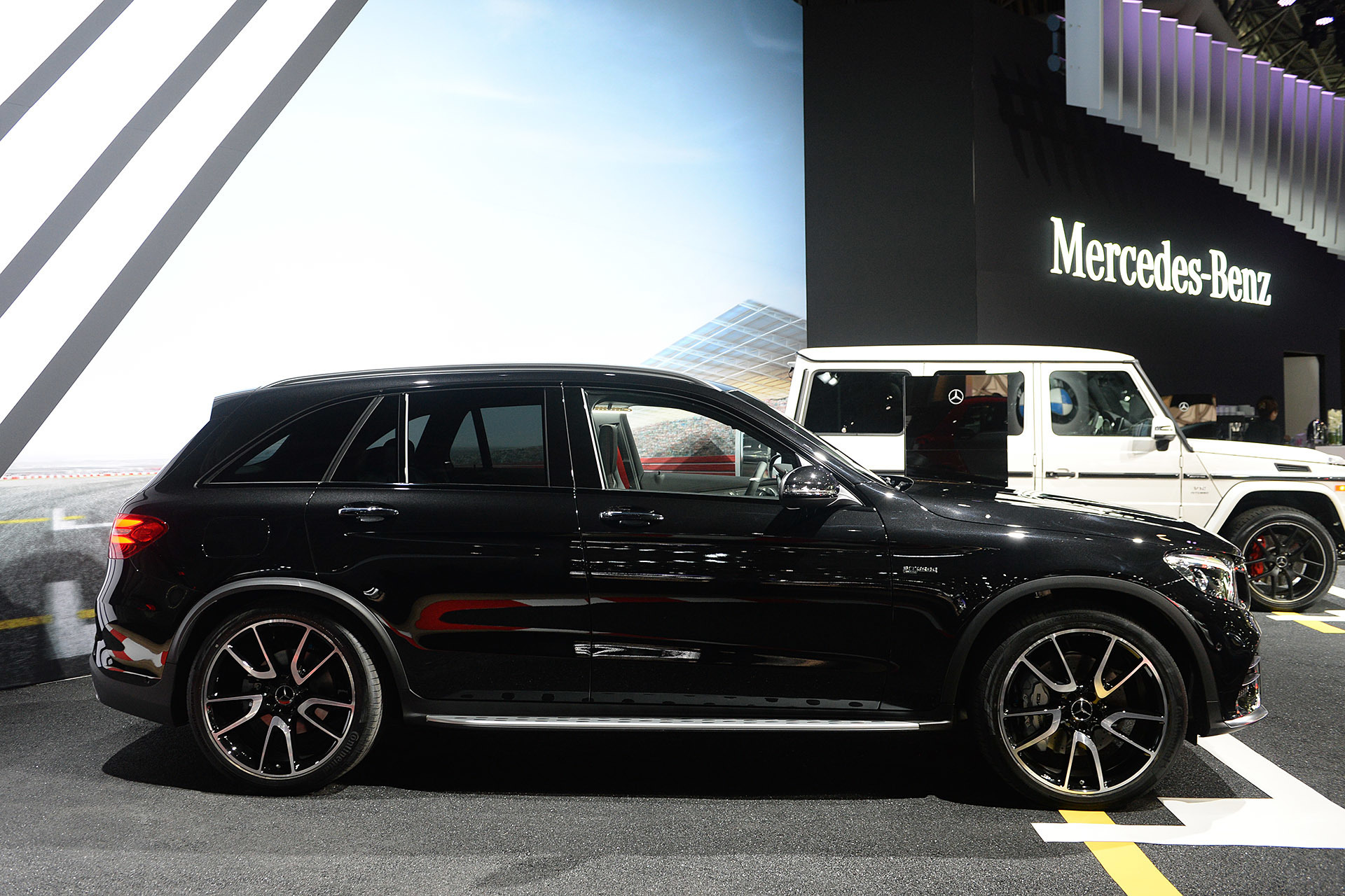 2017 mercedes amg glc43 2016 new york autoshow for Mercedes benz glc43 amg