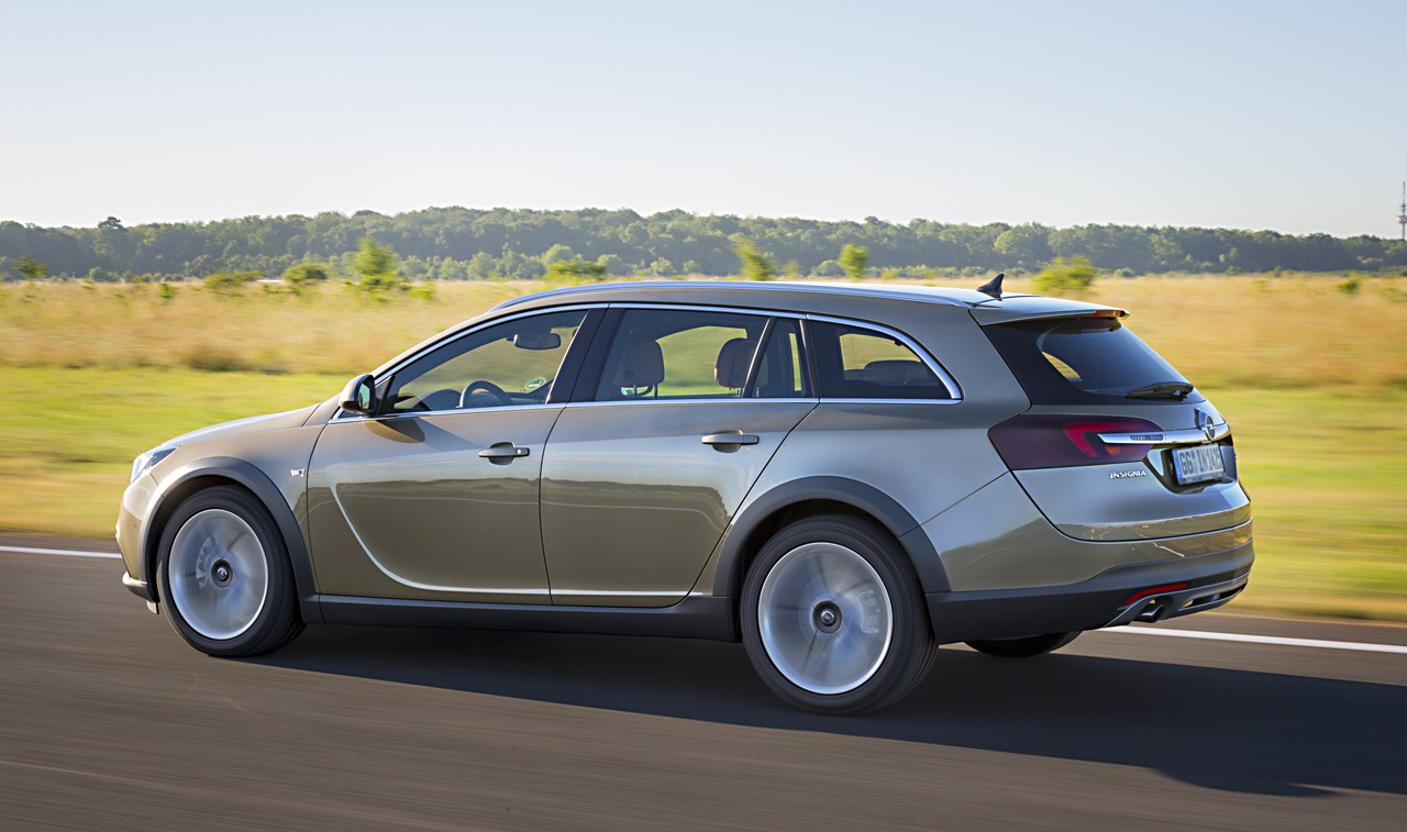 opel insignia country tourer photo gallery autoblog. Black Bedroom Furniture Sets. Home Design Ideas