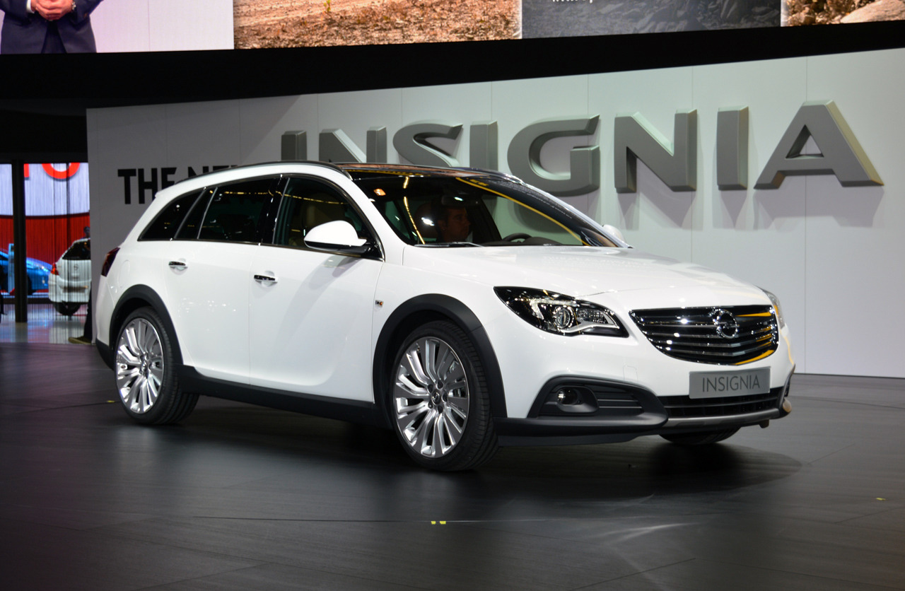 opel insignia country tourer frankfurt 2013 photo gallery. Black Bedroom Furniture Sets. Home Design Ideas
