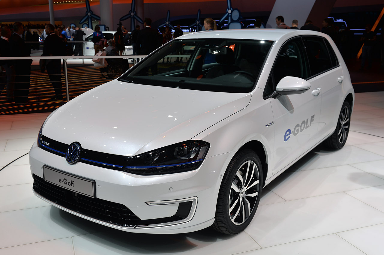 2014 volkswagen e golf frankfurt 2013 photo gallery autoblog. Black Bedroom Furniture Sets. Home Design Ideas